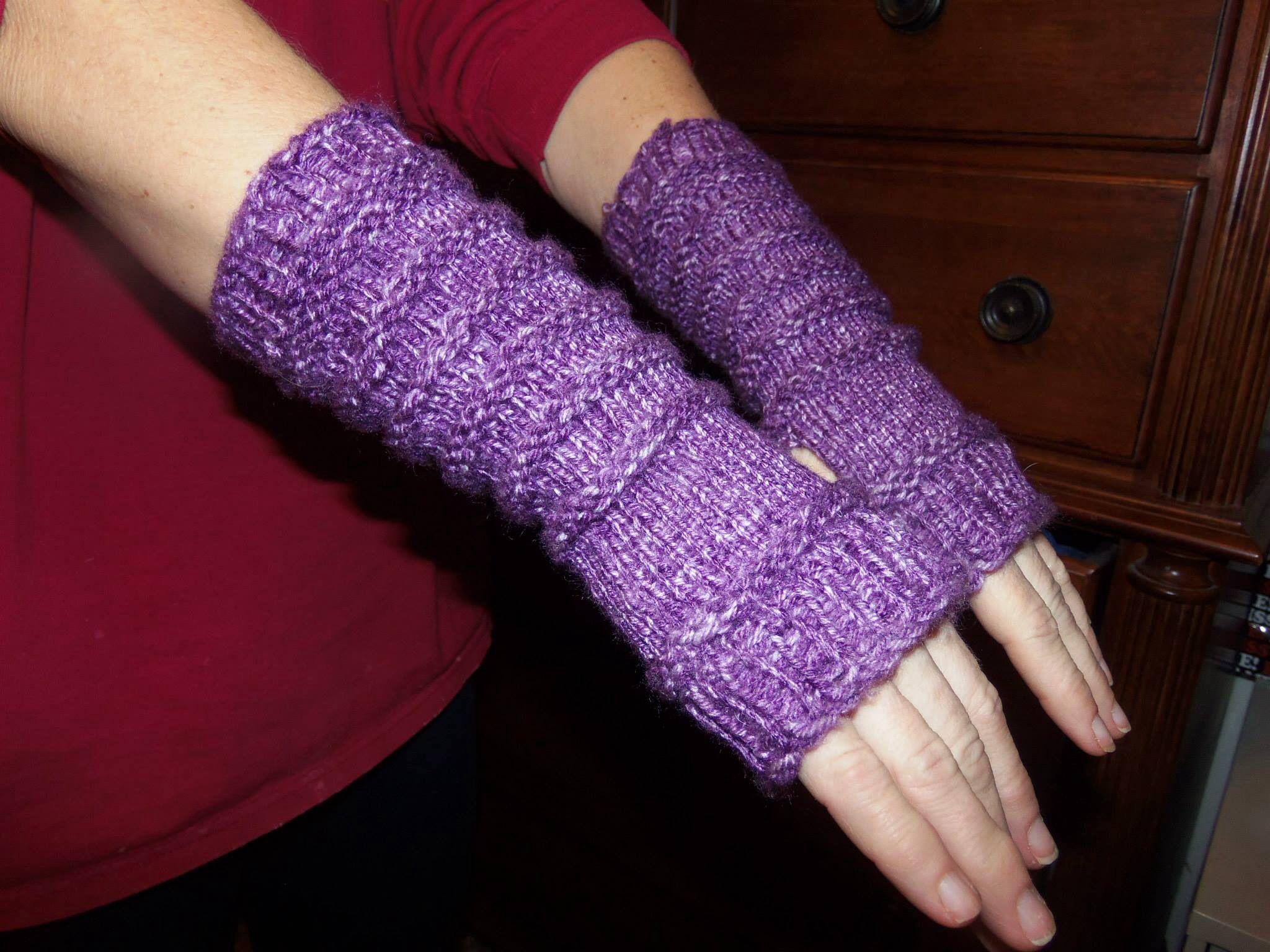 My fingerless gloves in the sock 2 loom loom knitting ...