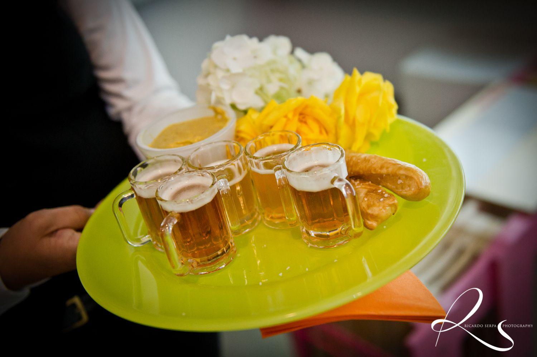 Mini Beer Mugs & Soft Pretzels   Wedding Dreams   Pinterest