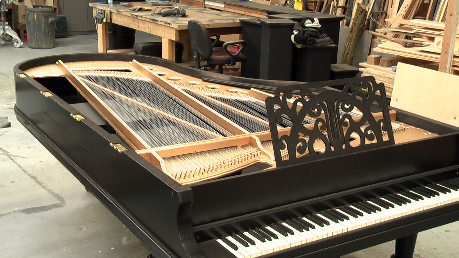 Full size grand piano grand pianos pinterest for What size is a grand piano