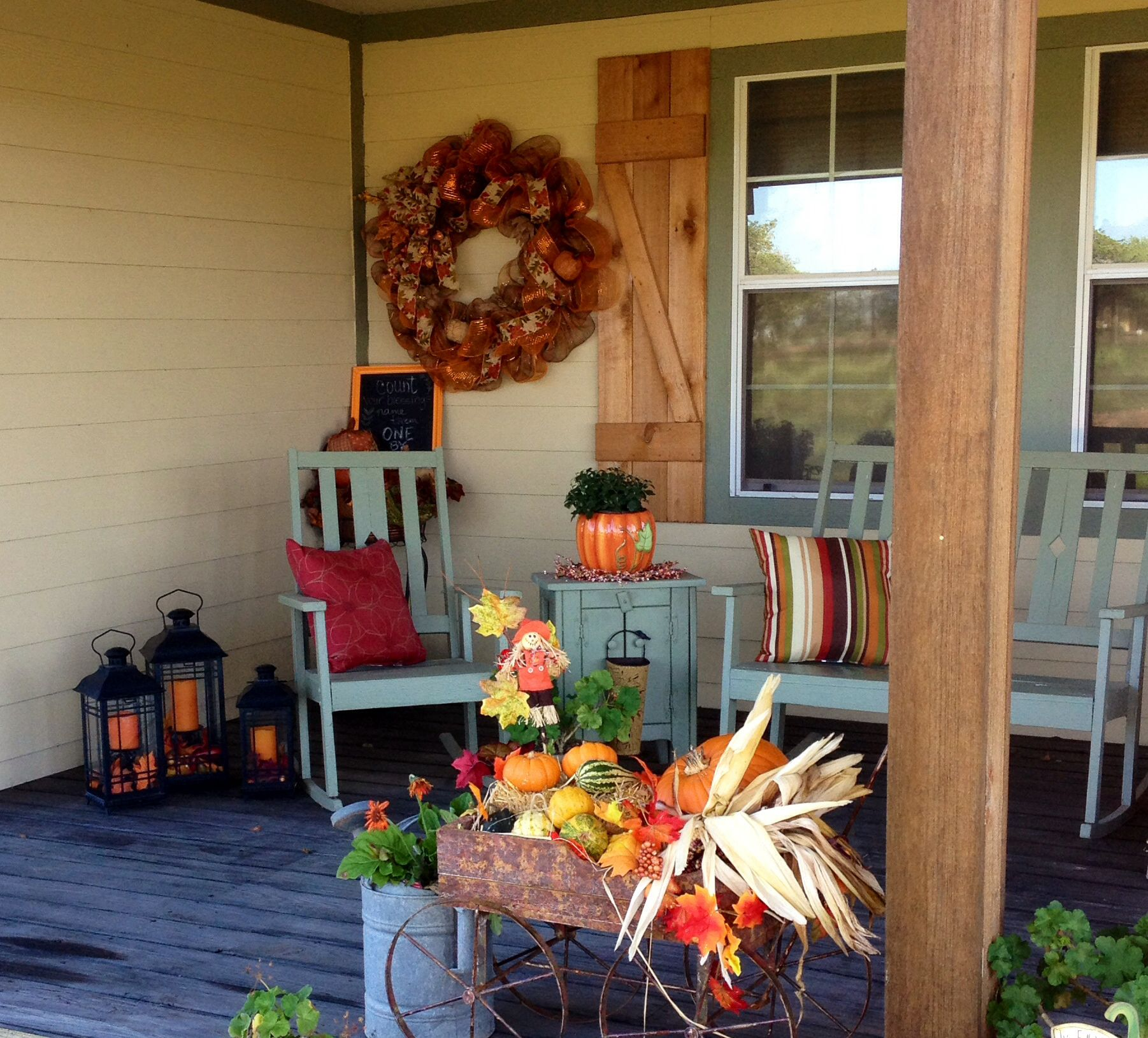 Country Front Porch Ideas: Fall Front Porch Decorating