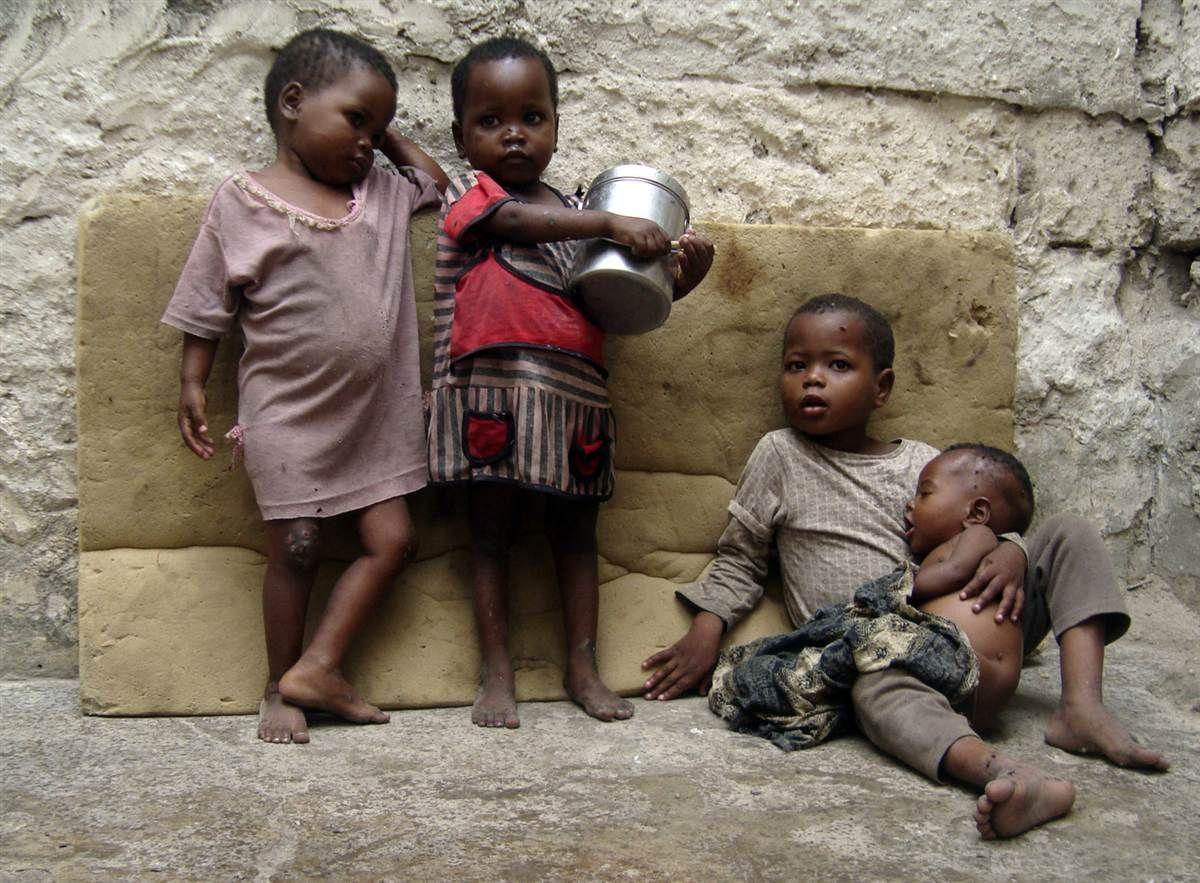 Голодающие дети Африки (21 фото) 75