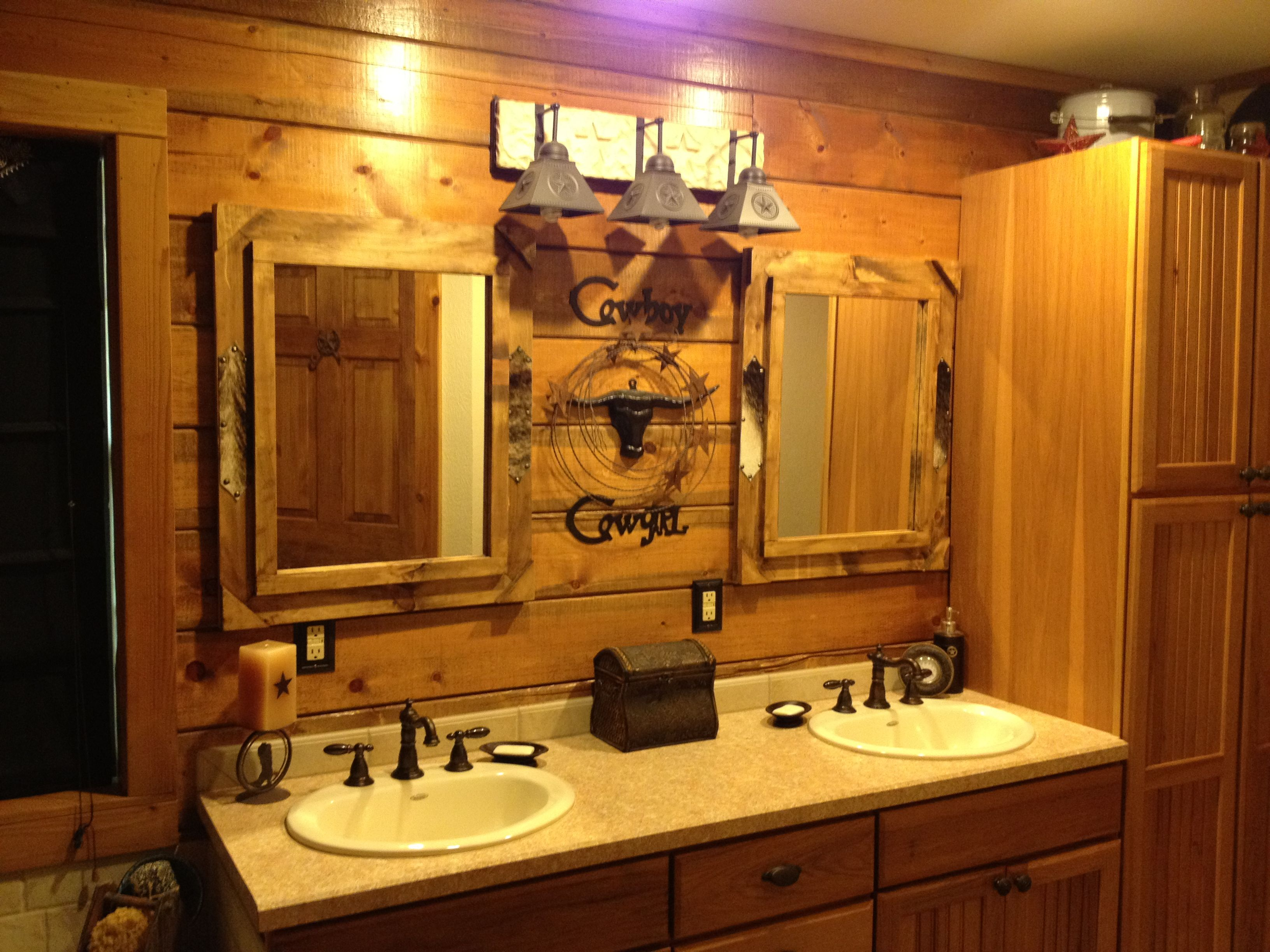 rustic bathroom d cor the farm pinterest