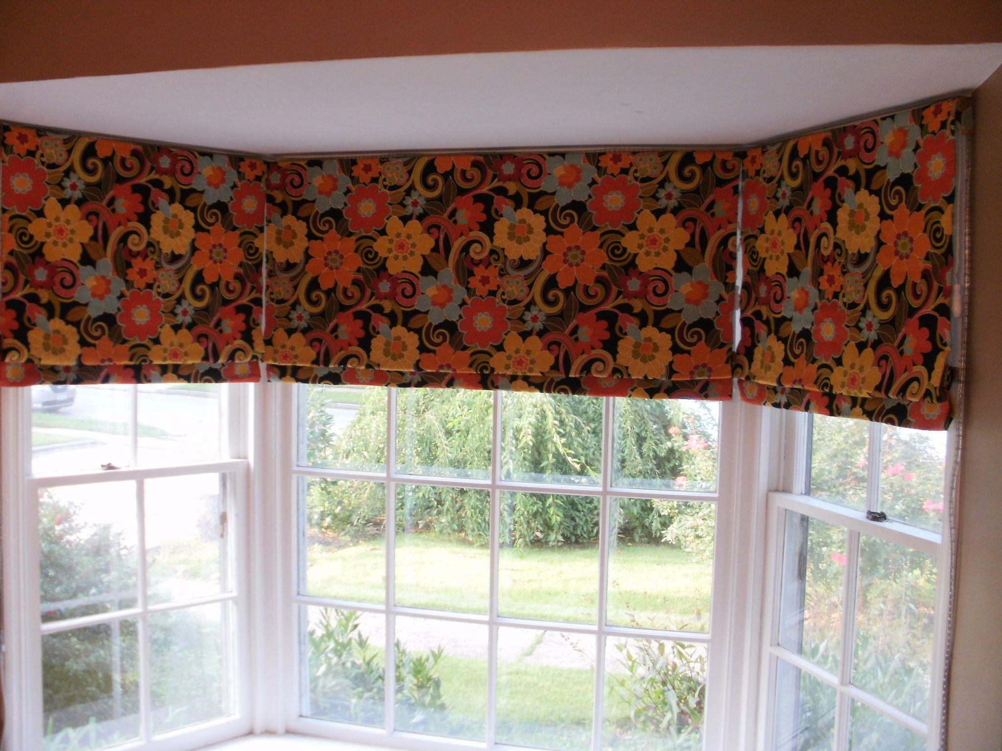 Roman shades in bay window beautiful window treatments for Roman shades for bay window