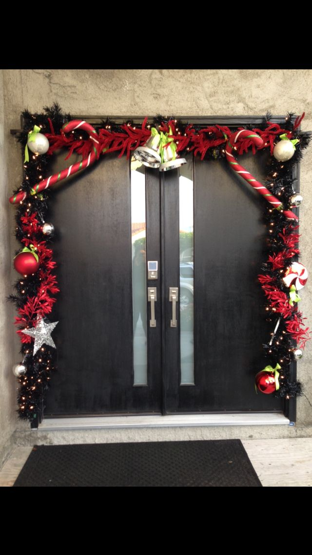 Christmas garland around front door the holidays pinterest for Door garland christmas
