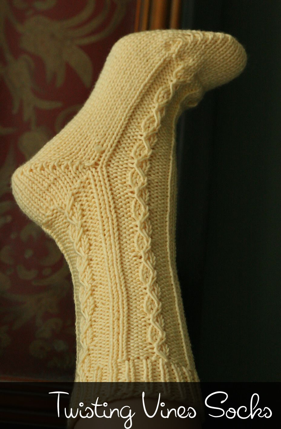Small Dog Knitted Sweater Pattern Free : Twisting Vines Socks loom pattern Yarn - Loom Knitting and Lace P?