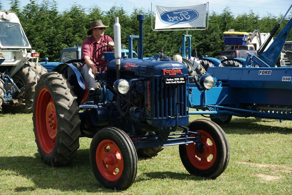 1957 Fordson Major Diesel Tractor : Fordson major e n old tractors pinterest