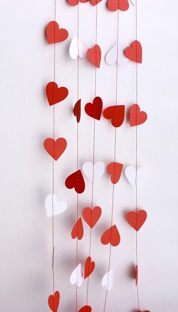Гирлянда из сердечек бумажных