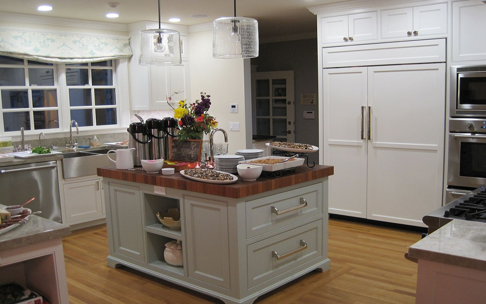 Kitchen island kitchens pinterest - Kitchen cabinets pinterest ...