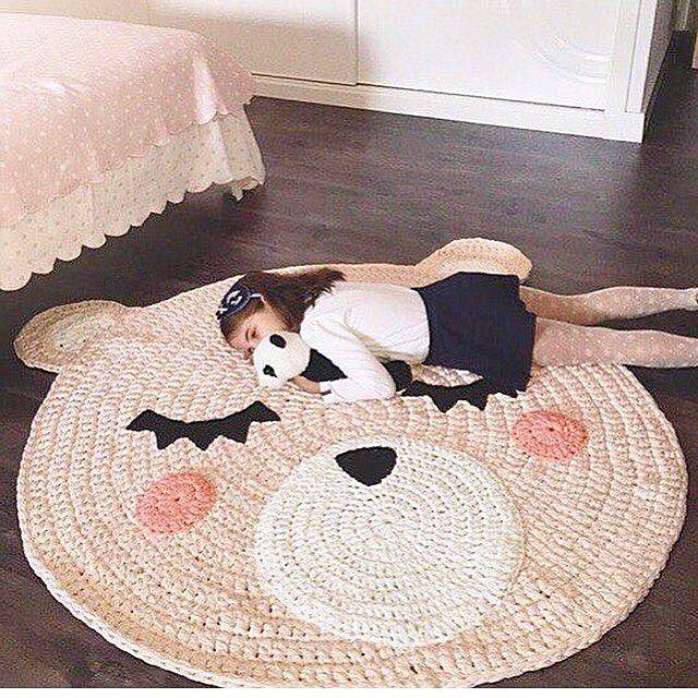 Детский вязаный коврик