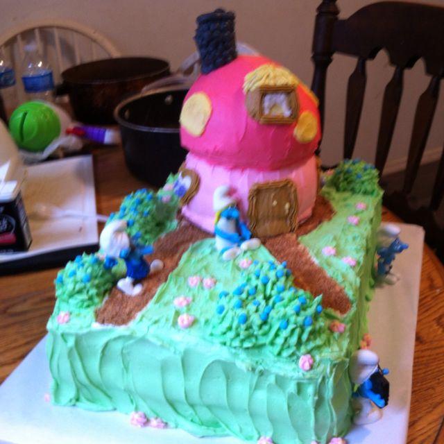 Irene Flood s Smurf cake Cake Decorations Pinterest