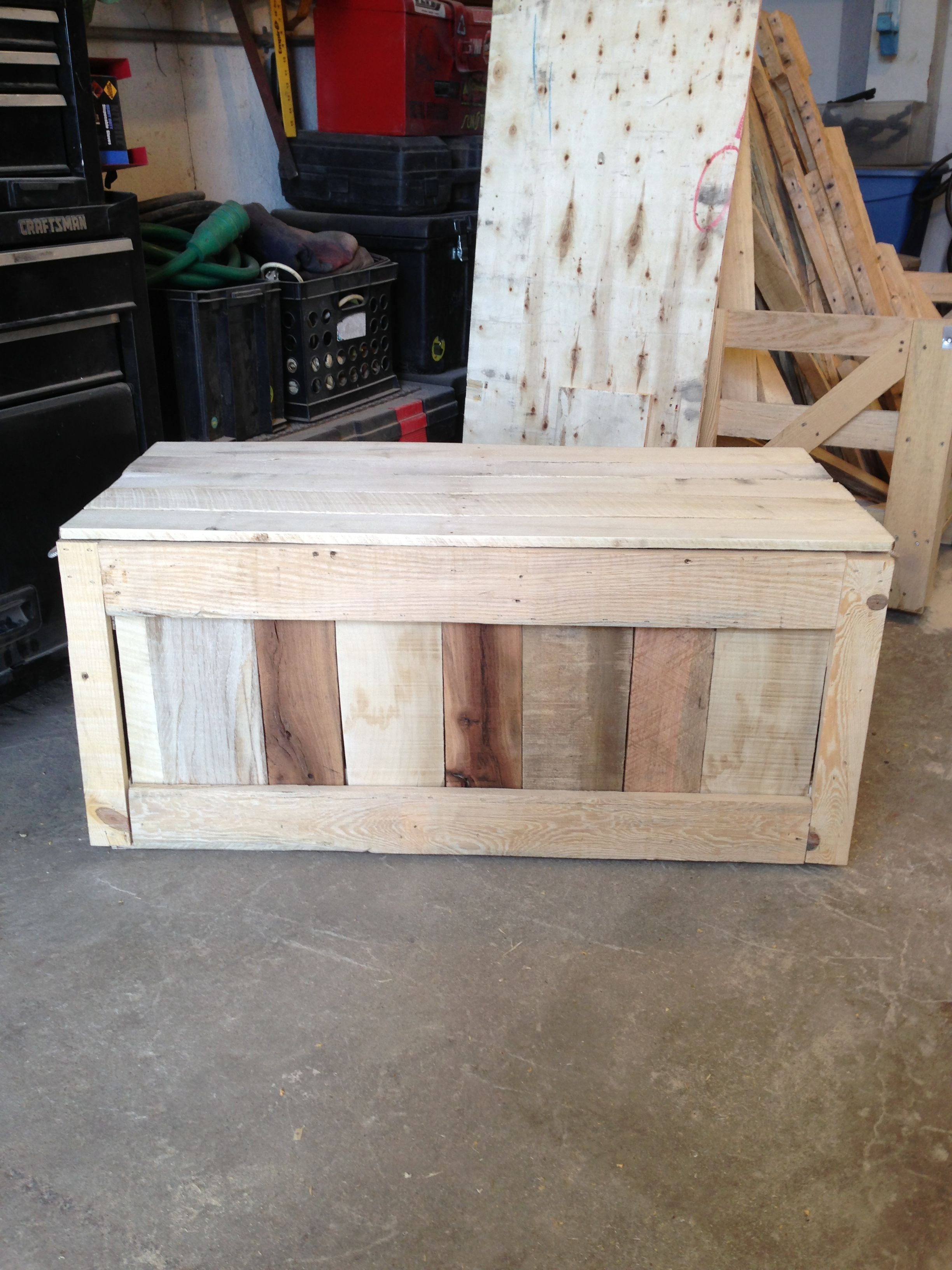 Another toybox made out of pallet wood building things for Things to make out of wooden pallets