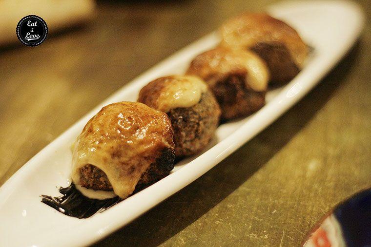 Croquetas de sepia en su tinta gratinadas - Gastrocroquetería de Chema - restaurante Madrid