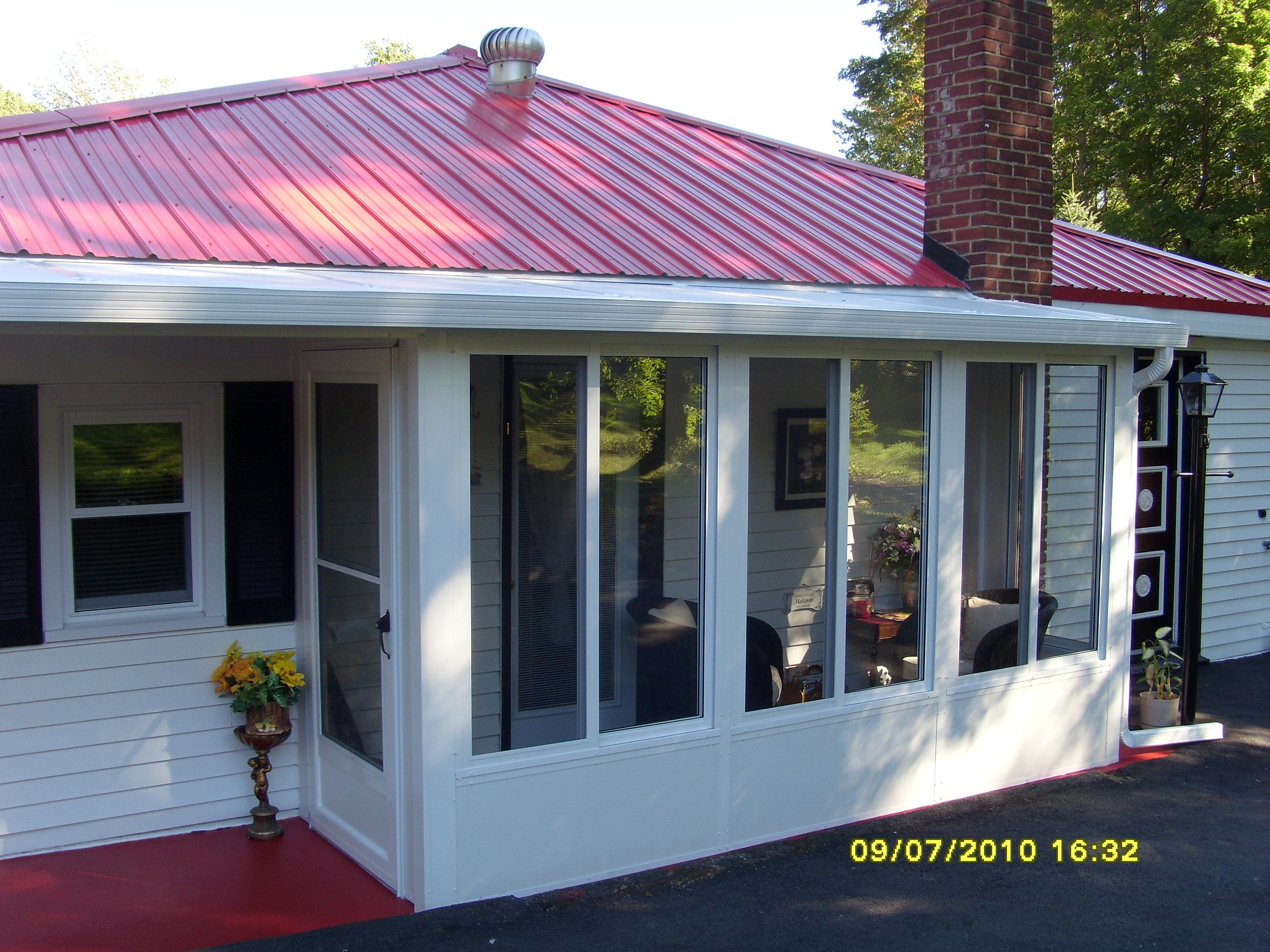 Small sunroom addition and patio roof laundry 3 season for Sunroom roofs