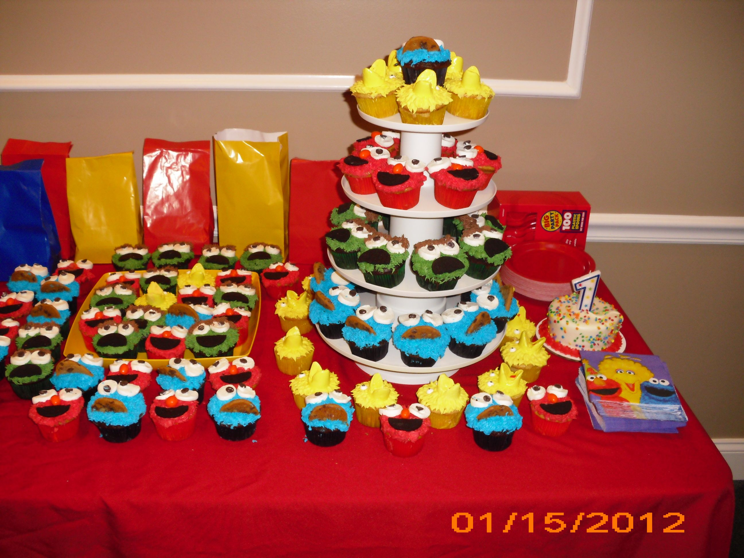 Sesame street cupcakes sesame street baby shower pinterest - Sesame street baby shower ...