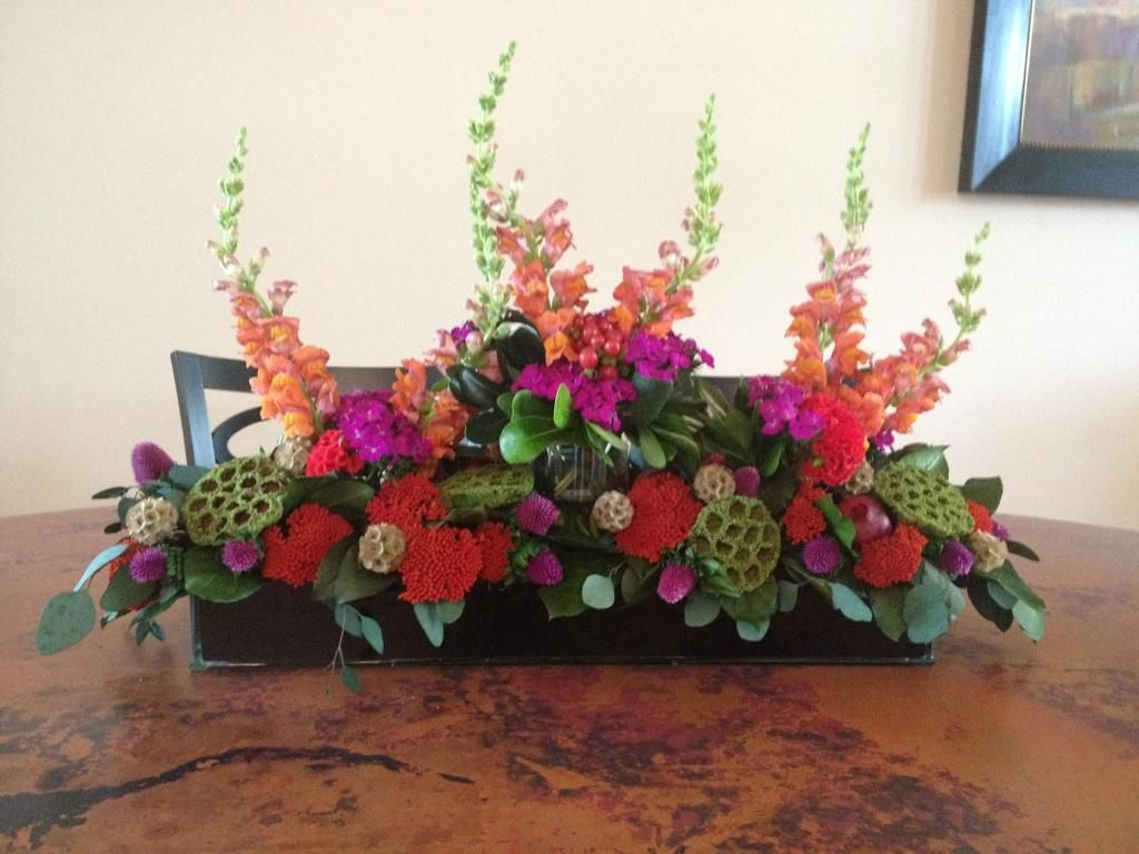 Dining room table centerpiece flower arrangement pinterest for Dining table flower arrangements