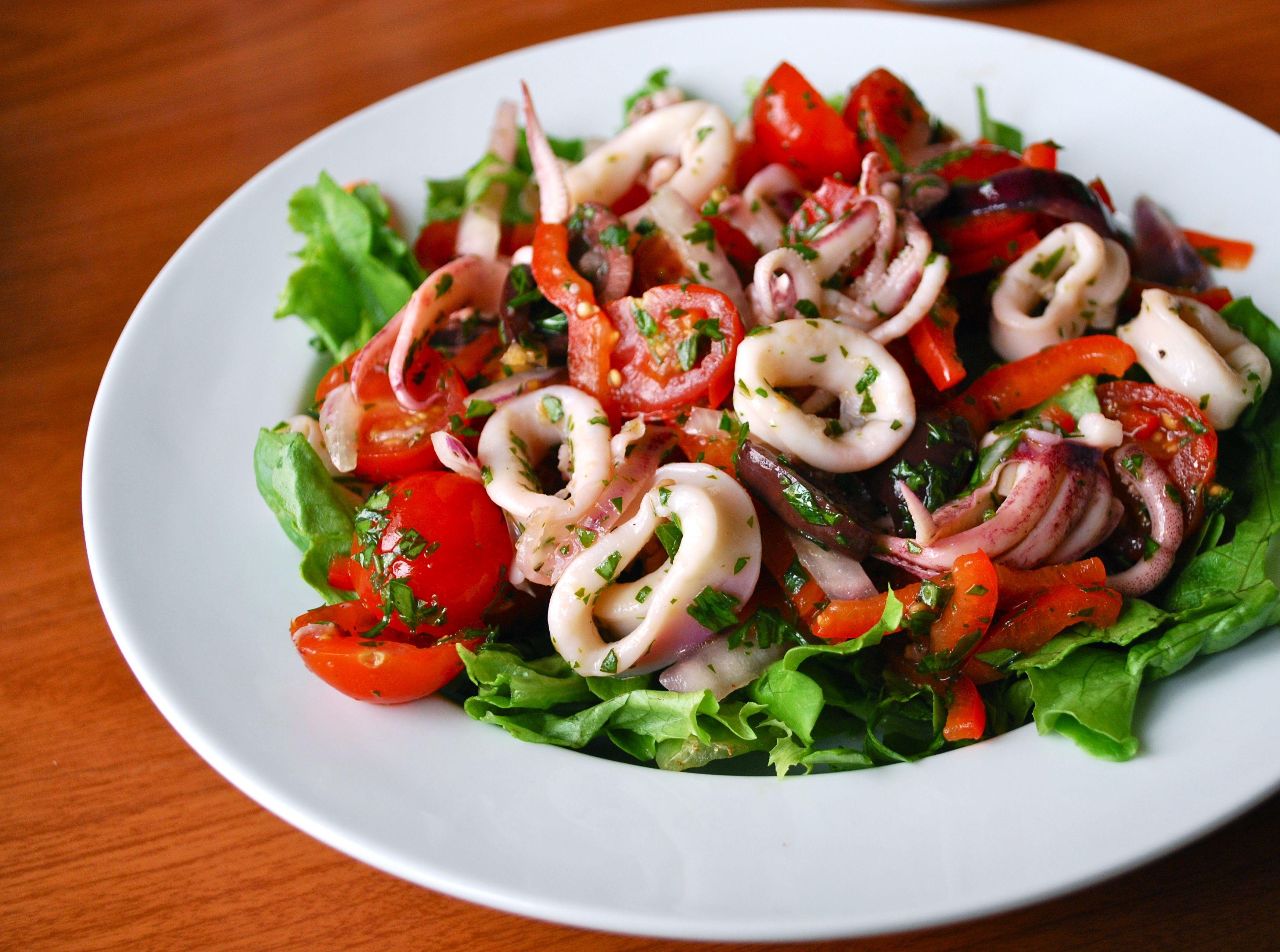 Салаты из кальмара.рецепты с