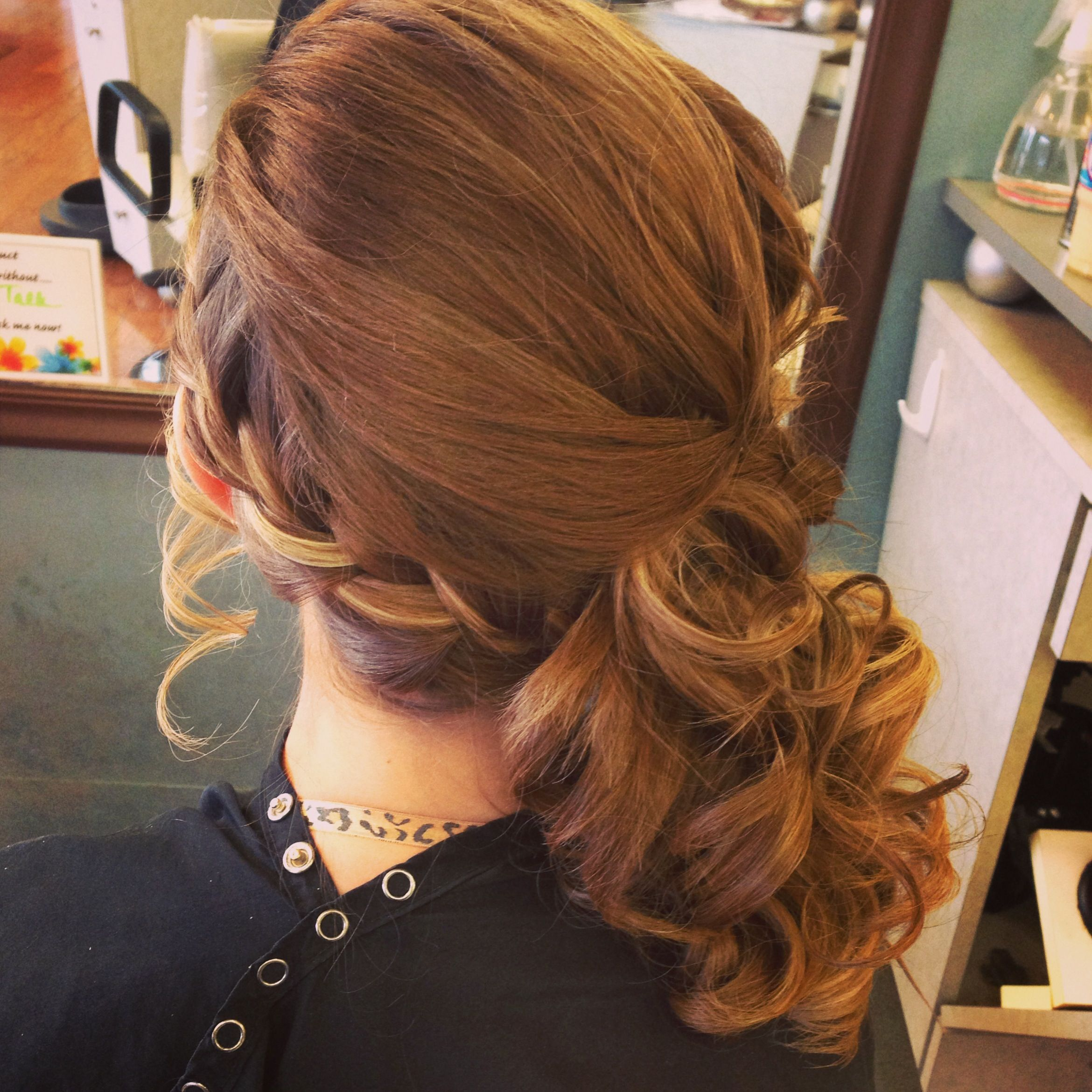 Side braid with curls | Beauty | Pinterest