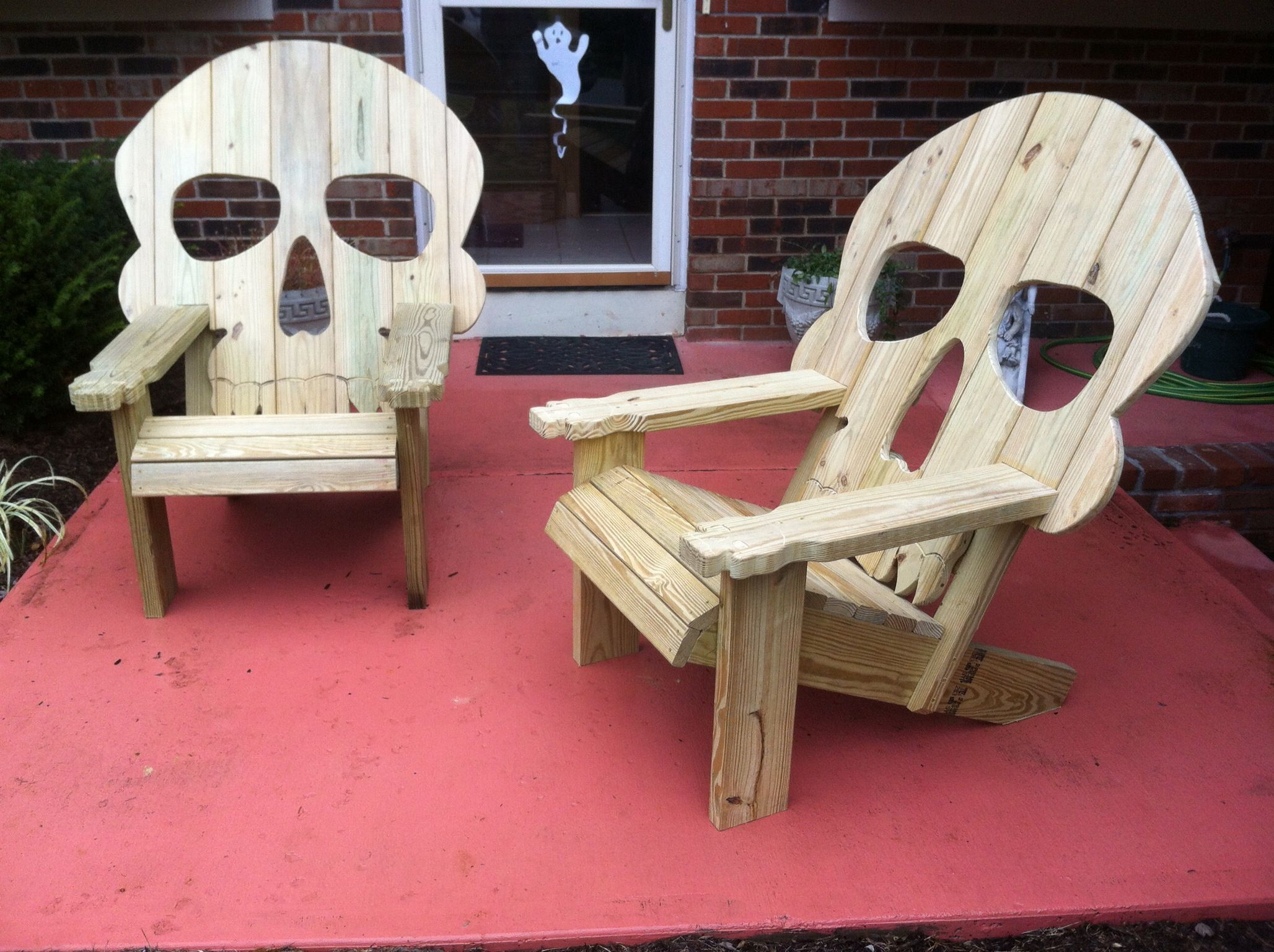 Wood Skull Lawn Chairs ~ Adirondack skull chairs holiday fun pinterest