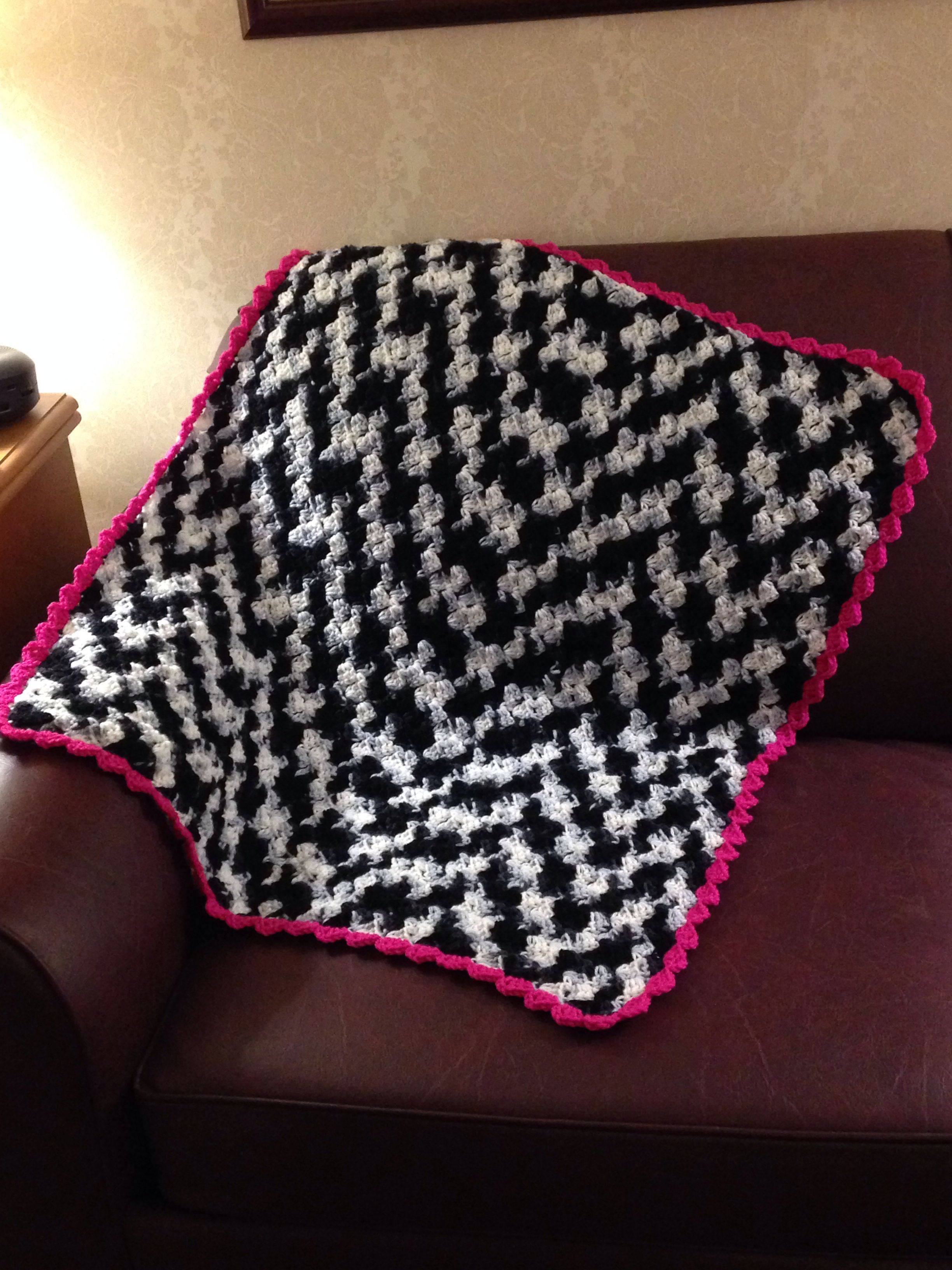 Crochet Zebra Blanket : Zebra crocheted baby blanket with pink trim CROCHET Pinterest
