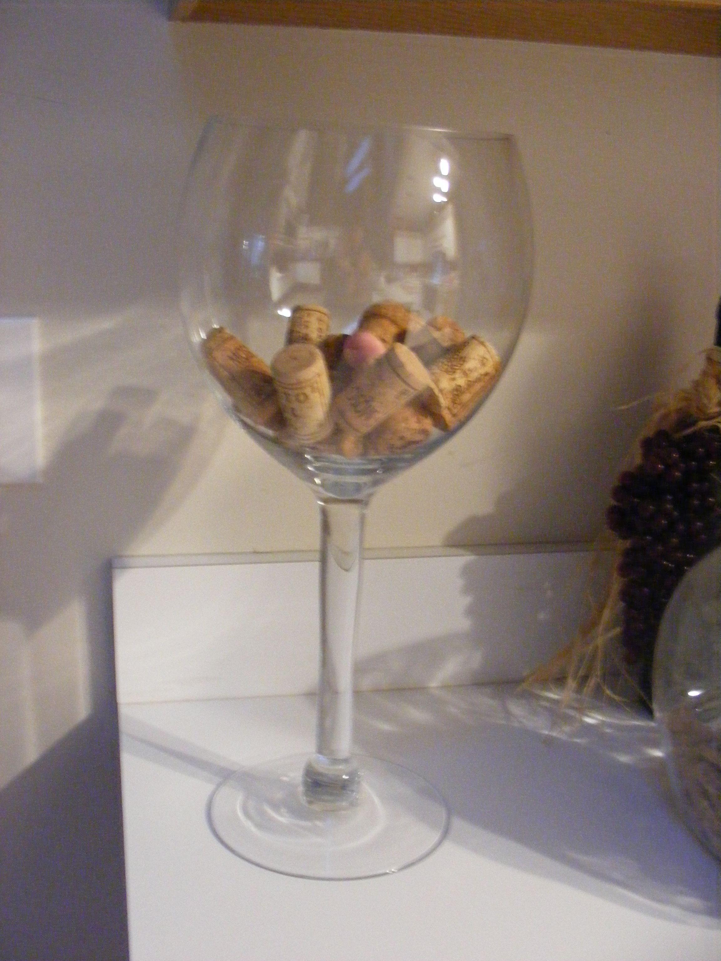 Wine cork storage decorating pinterest for Decorating with wine corks