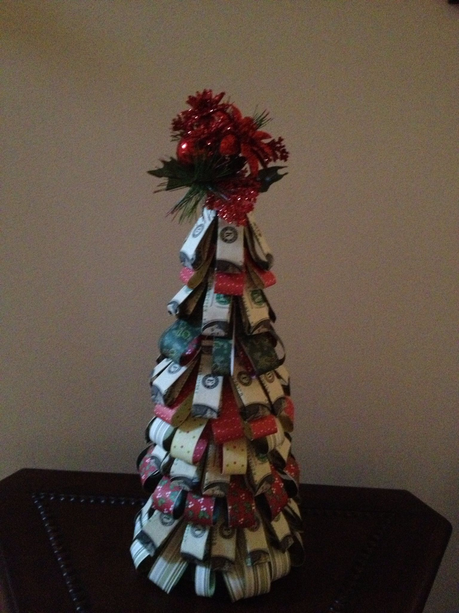 Christmas money tree | Mom, you're wrong. Money really ...