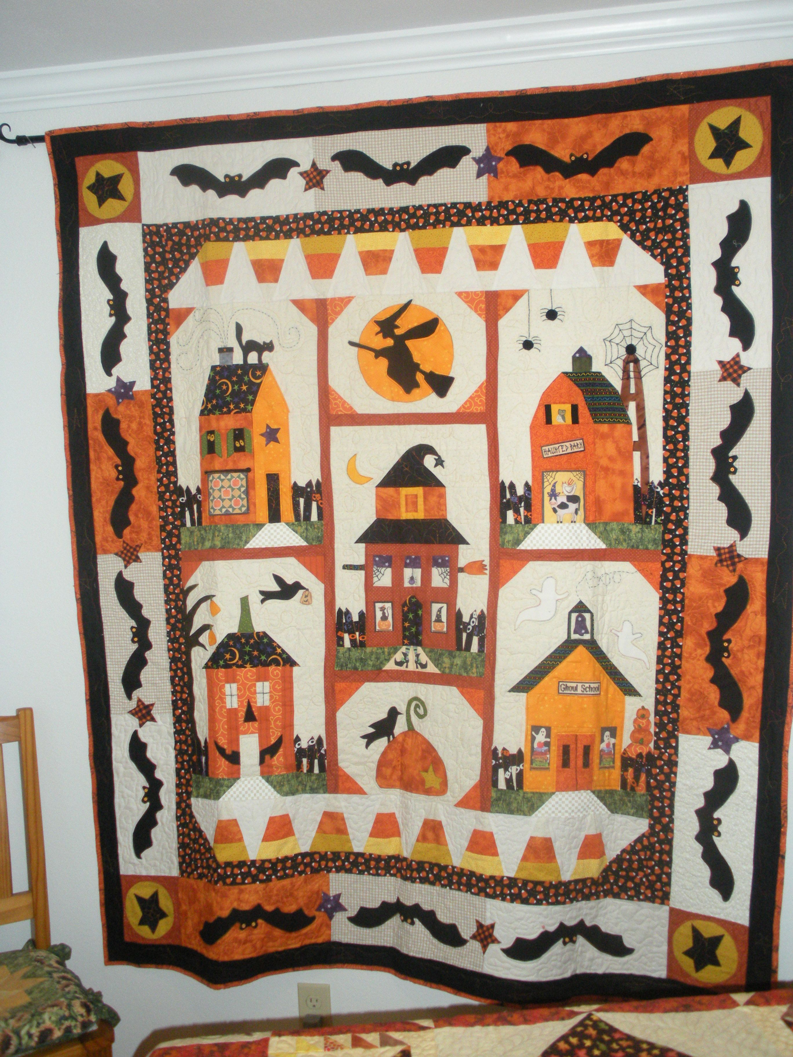 Halloween Quilting Ideas : Halloween applique quilt QUILT~SPIRATION Pinterest