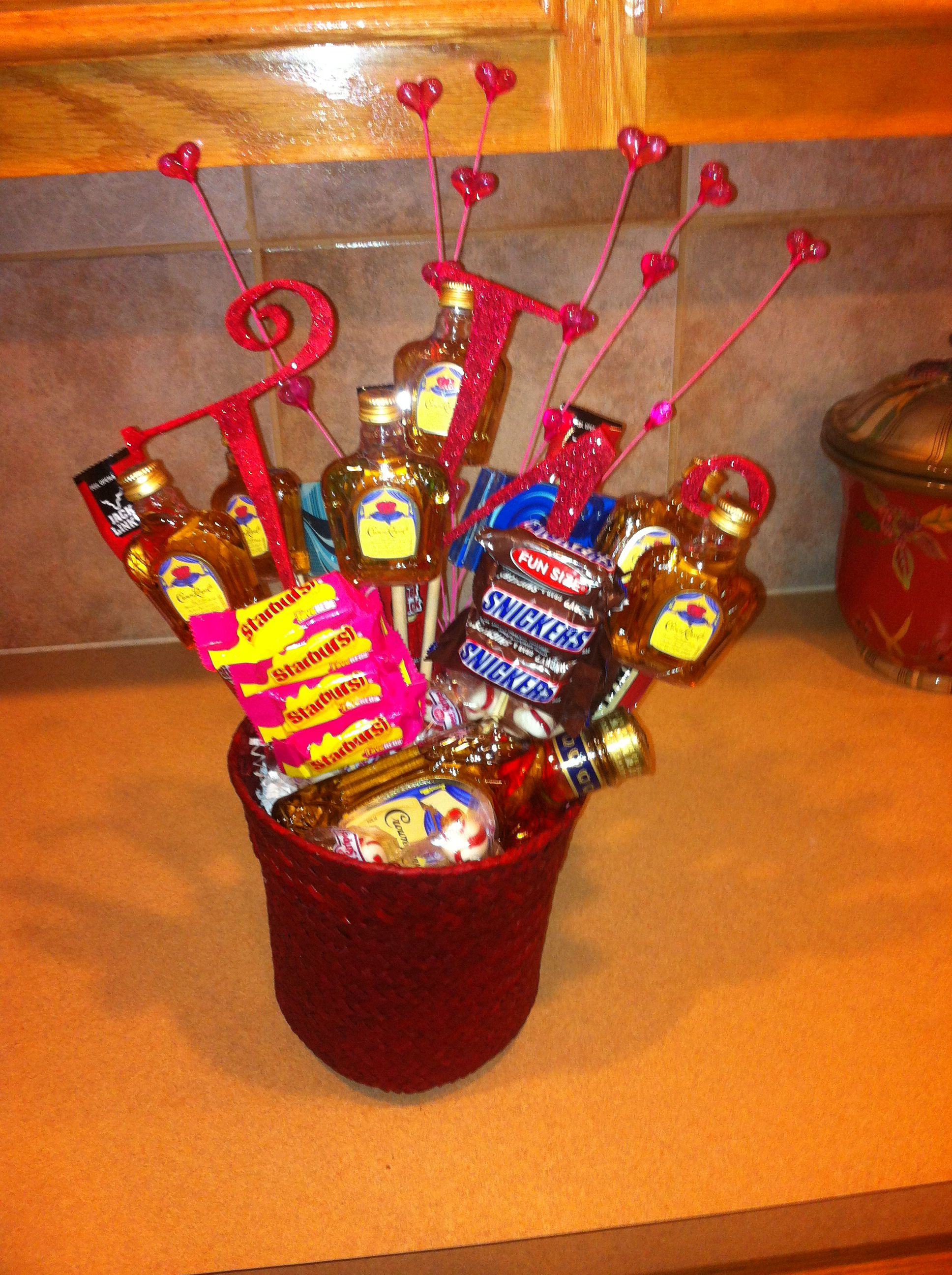 Easy Valentine Gift For Him Holiday Ideas Pinterest