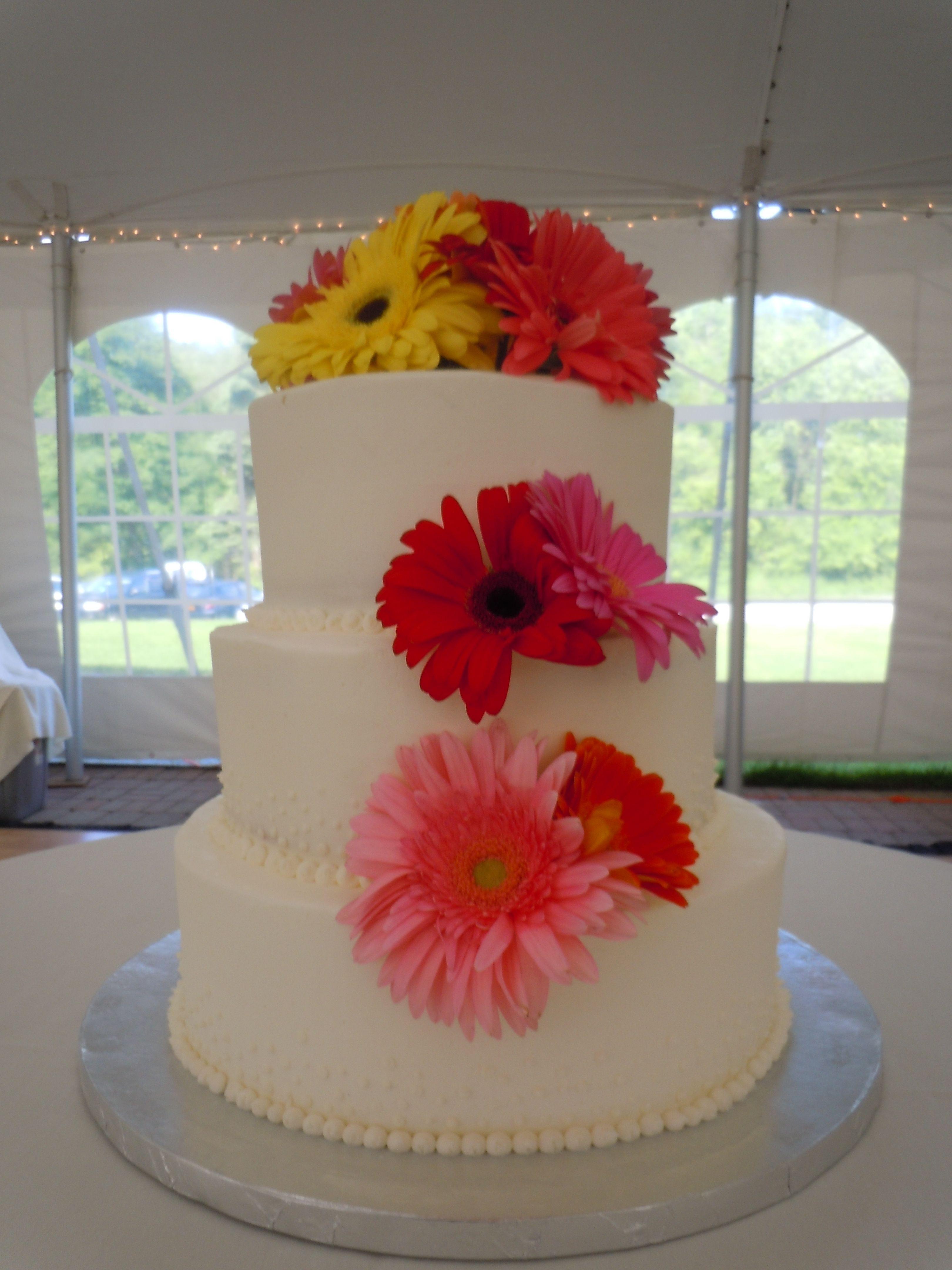 Gerber Daisies Wedding Cake Ideas and Designs