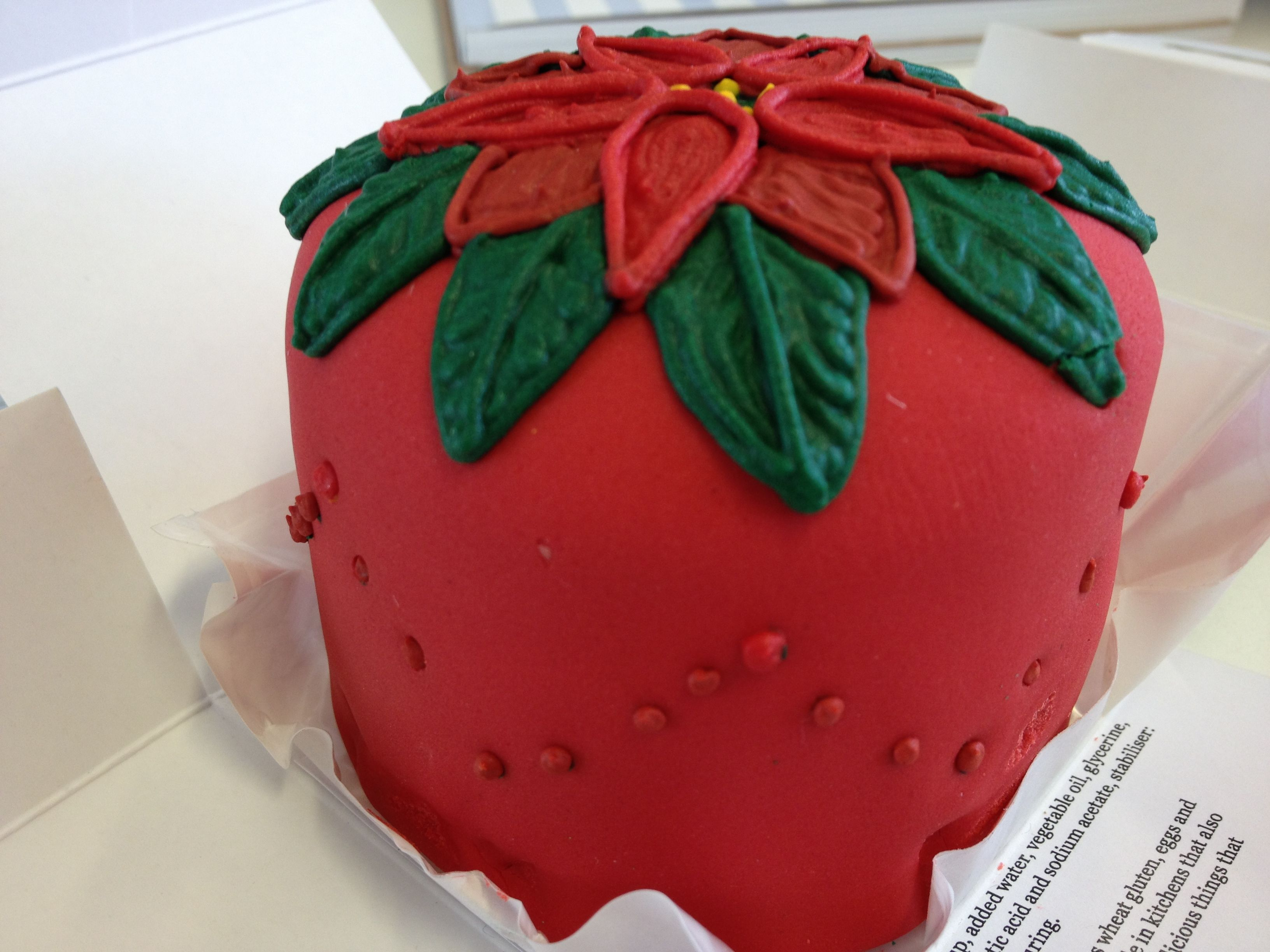... love this Pointsettia cake design... | Christmas, cookies and more