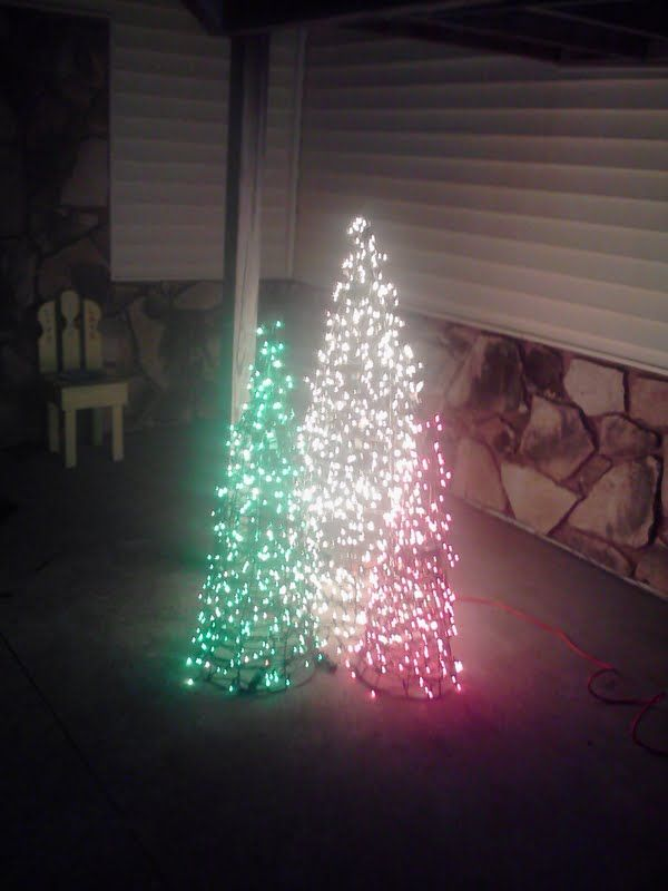 Tomato cage christmas trees christmas pinterest for Christmas arch diy