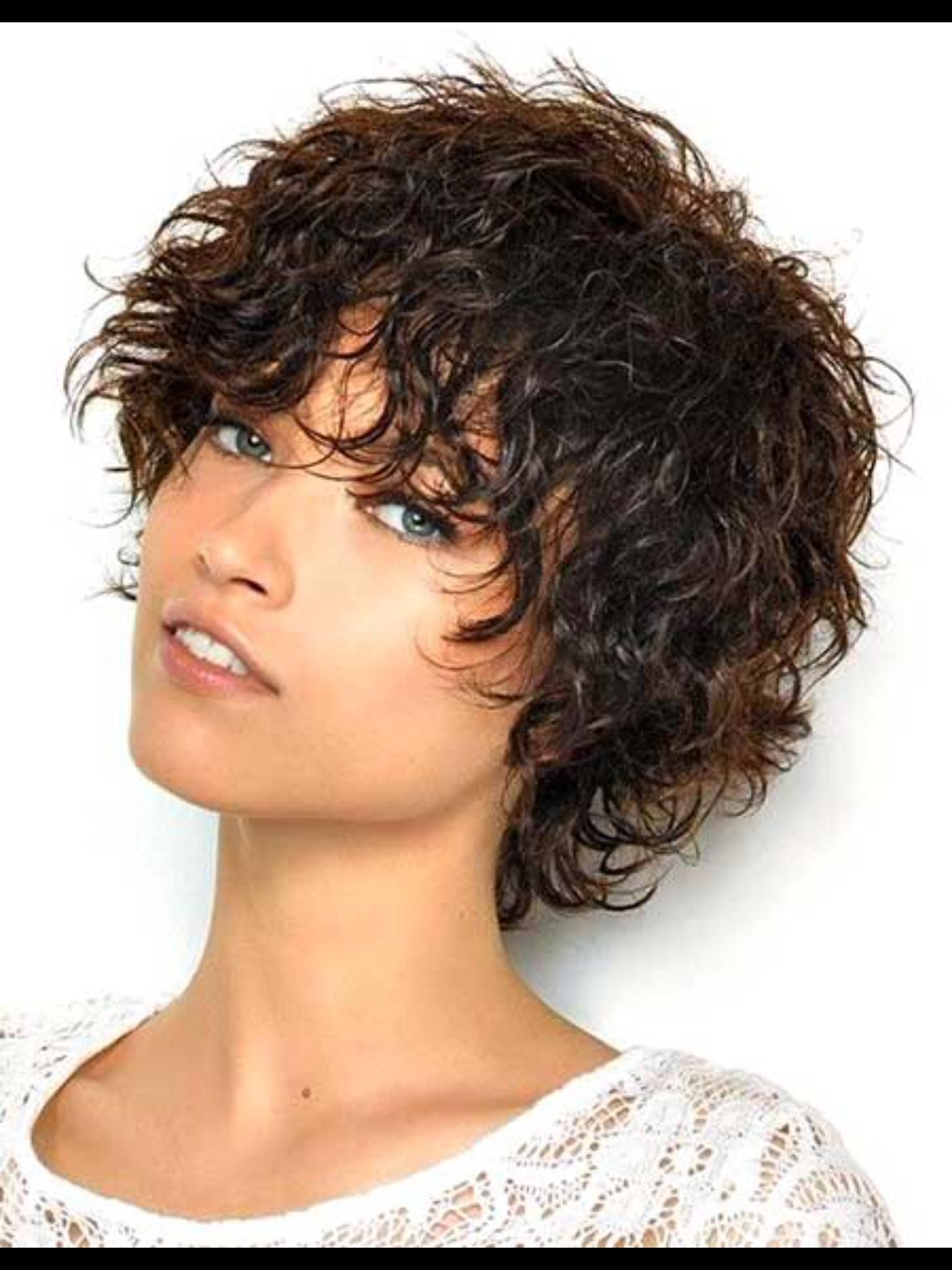 Фото коротких причесок с кудрявыми волосами