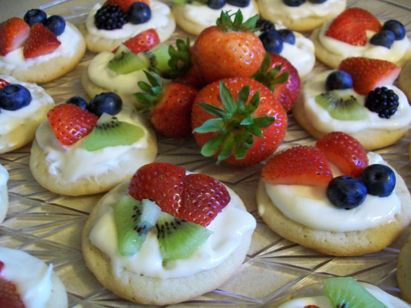 mini fruit pizzas | Sweet spot | Pinterest