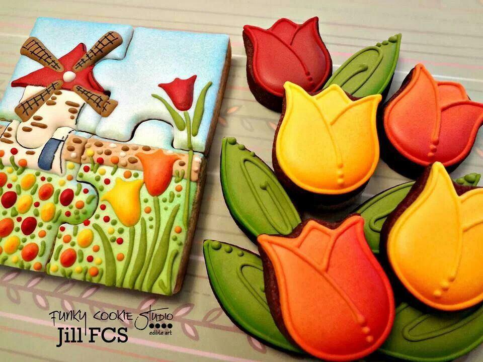 Tulip cookies by Jill FCS   Cookies and cookie decorating ...