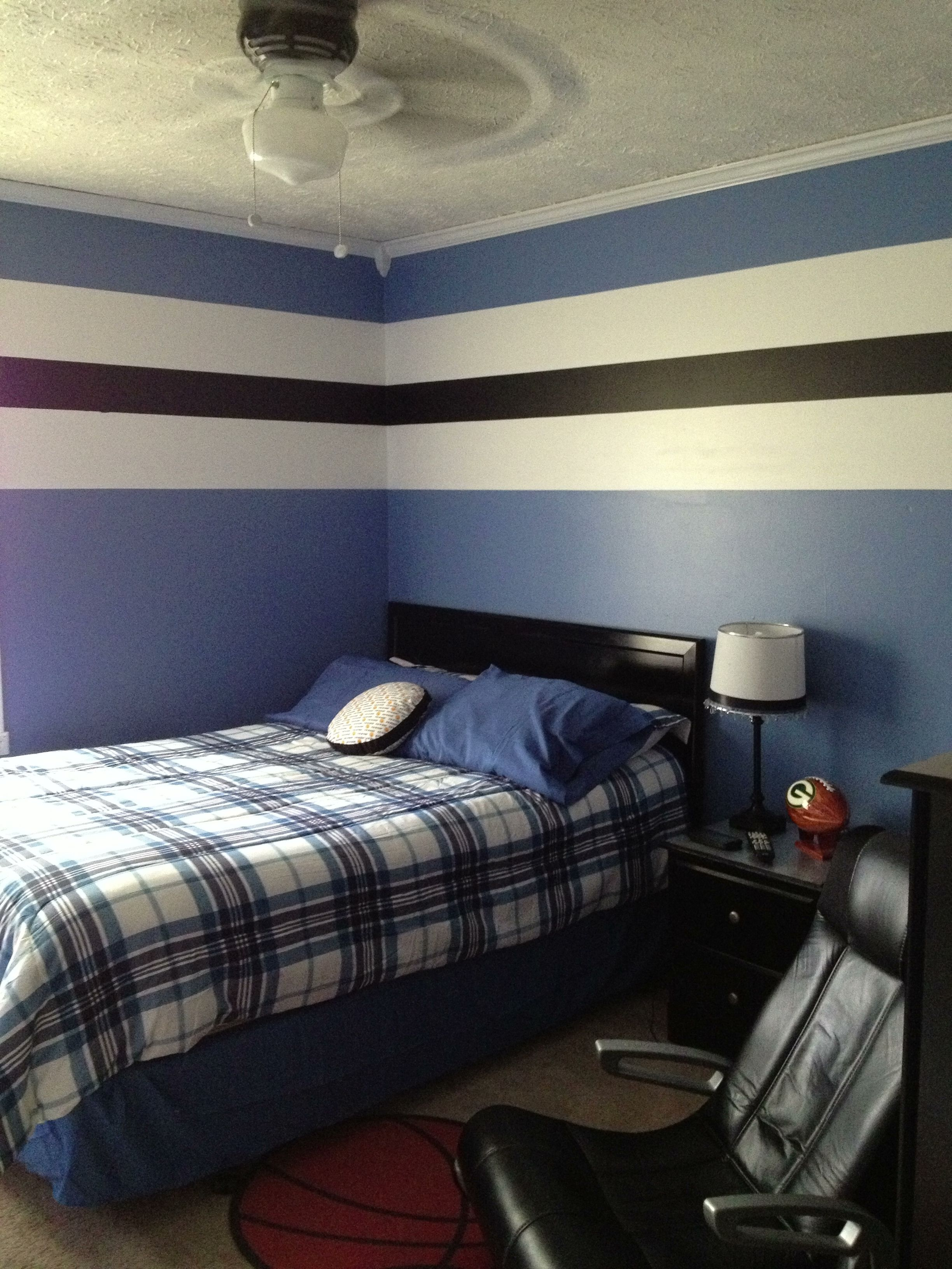 Teen boy bedroom make over teen boys room pinterest Teenage bedroom wall designs