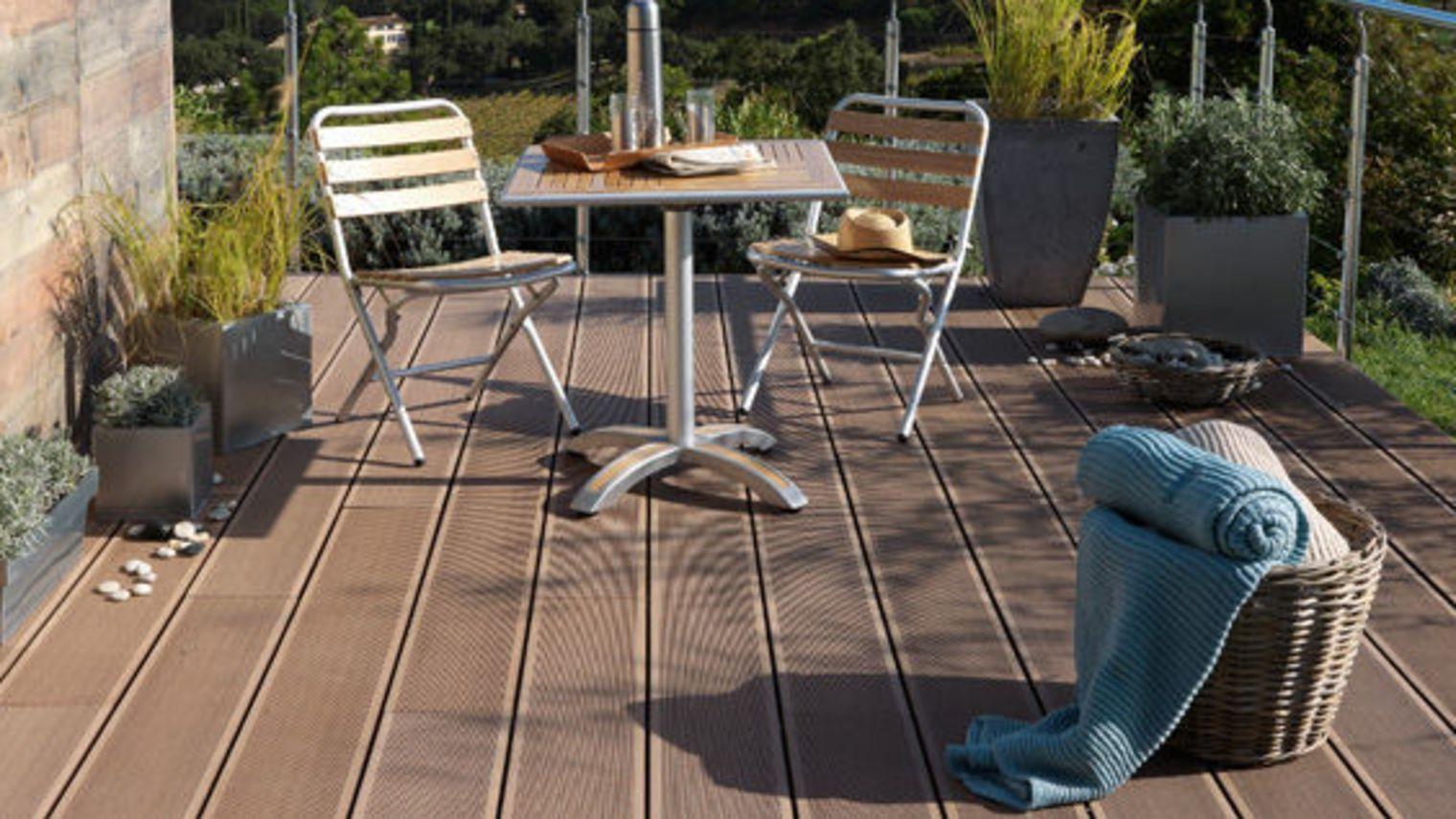 Bois Pour Terrasse Exterieur Protecteur Bois Pour Terrasse Et ~ Recouvrir  Une Terrasse Carrelee Avec Du Bois