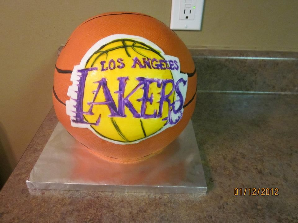 lakers basketball cakes