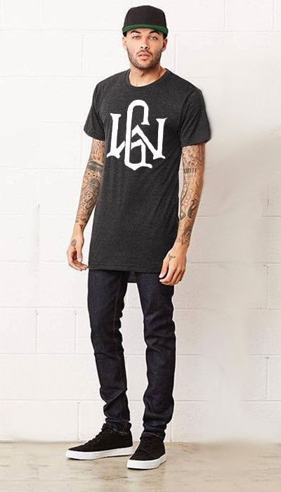 Graphic Tee Outfits – 20 Ideas How to Wear a Graphic Tee