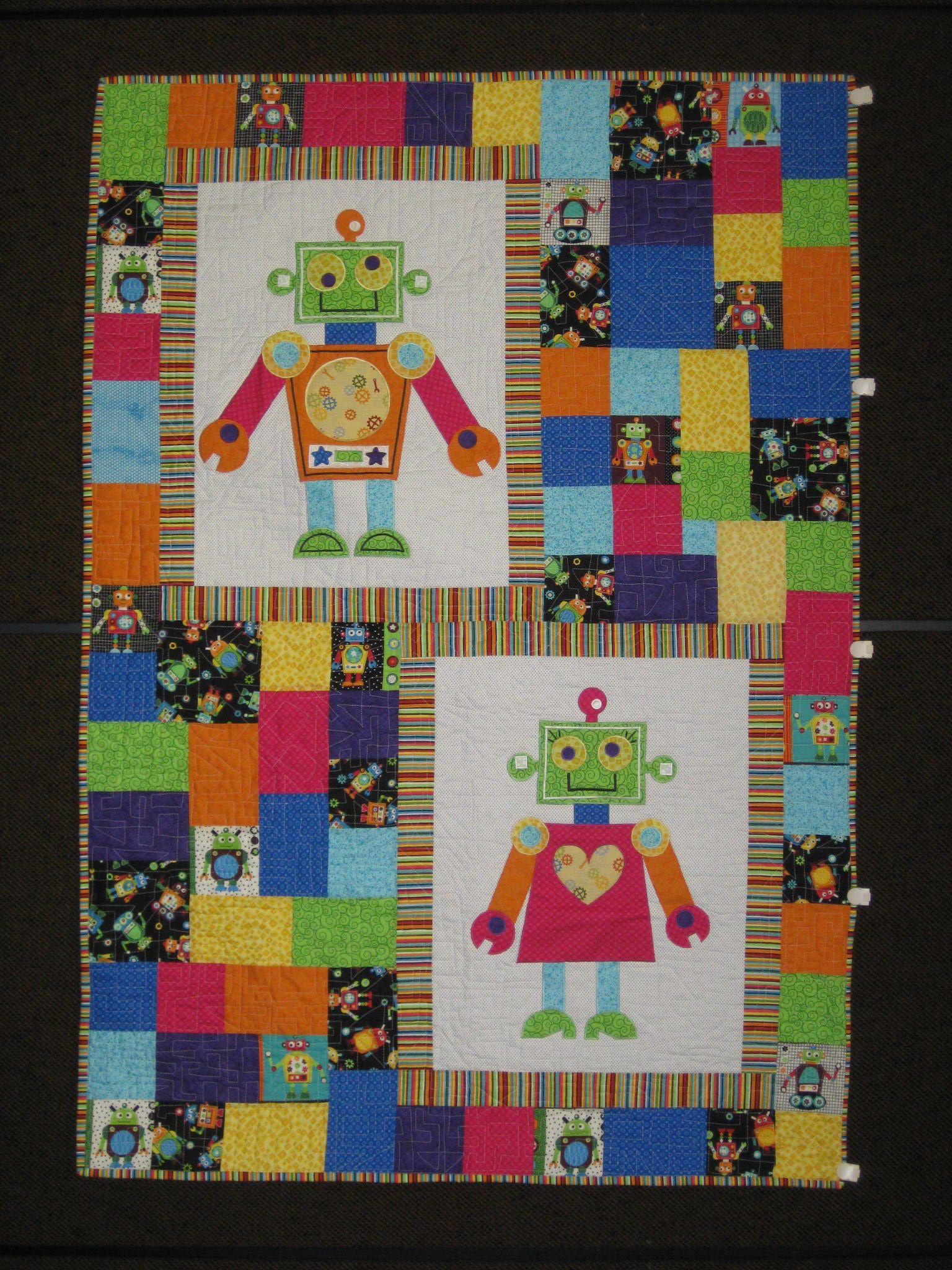 Quorra 39 s robot quilt quilts pinterest for Robot quilt fabric