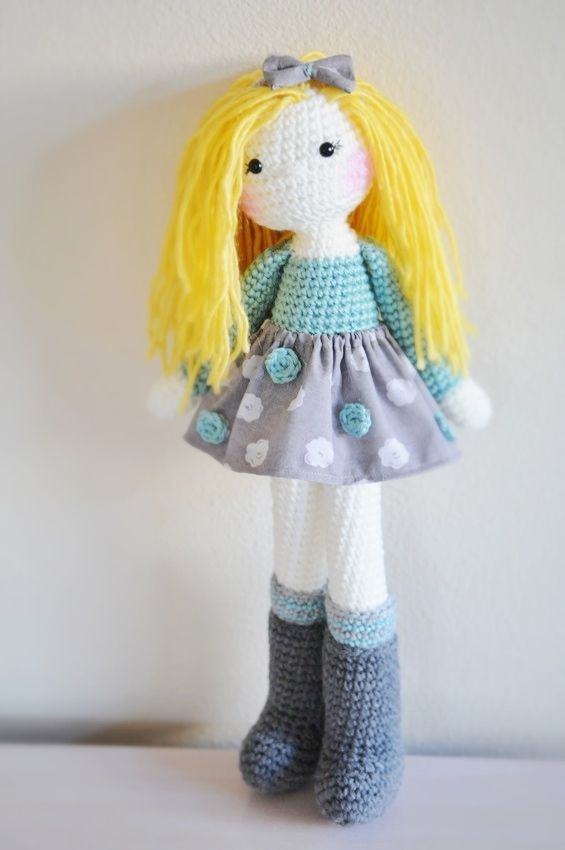Crochet doll, made by me :) www.linamariedolls.etsy.com crochet ...