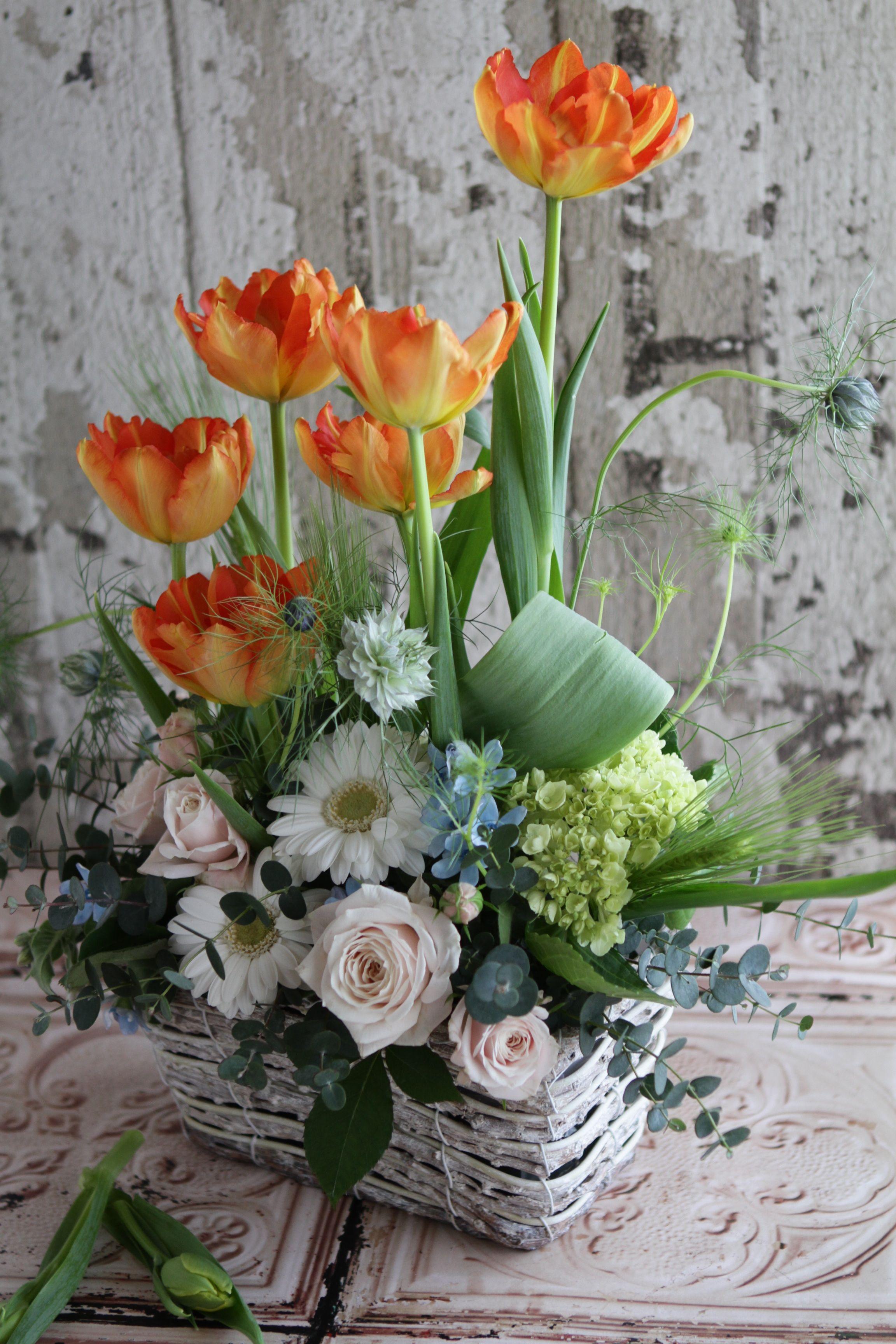 Spring arrangement floral arrangements pinterest for Spring flower arrangement ideas