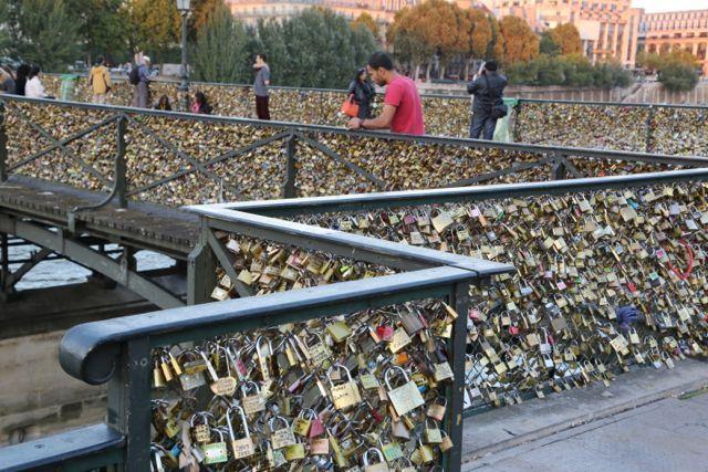 The lock bridge of paris life inspiration quotes for The lock bridge in paris