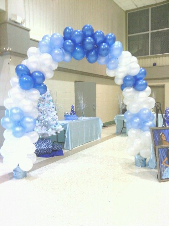 Snow queen winter wonderland sweet fifteen theme for Balloon decoration ideas for quinceaneras