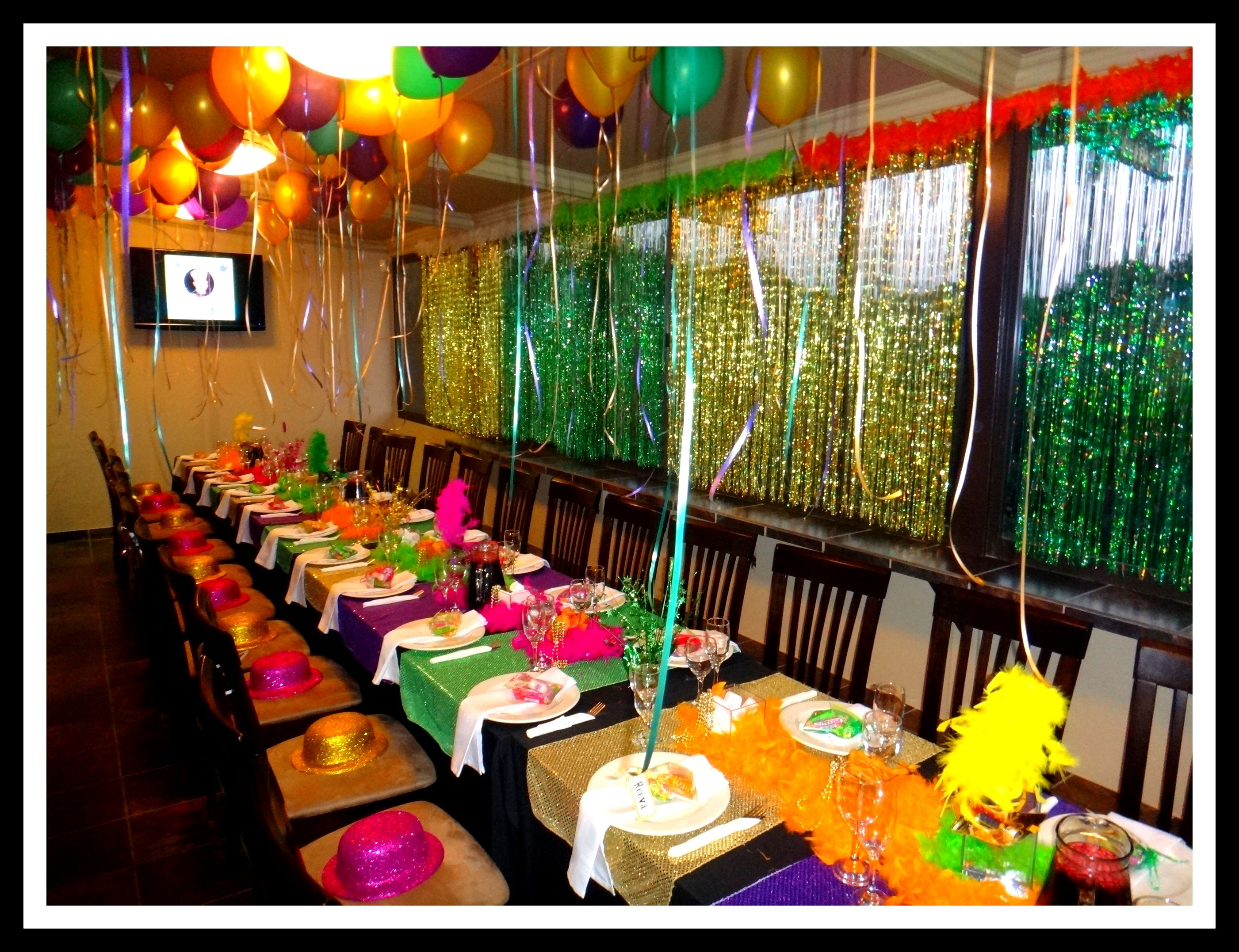 Simple mardi gras table decorations photograph 30th birthd for 40th party decoration ideas