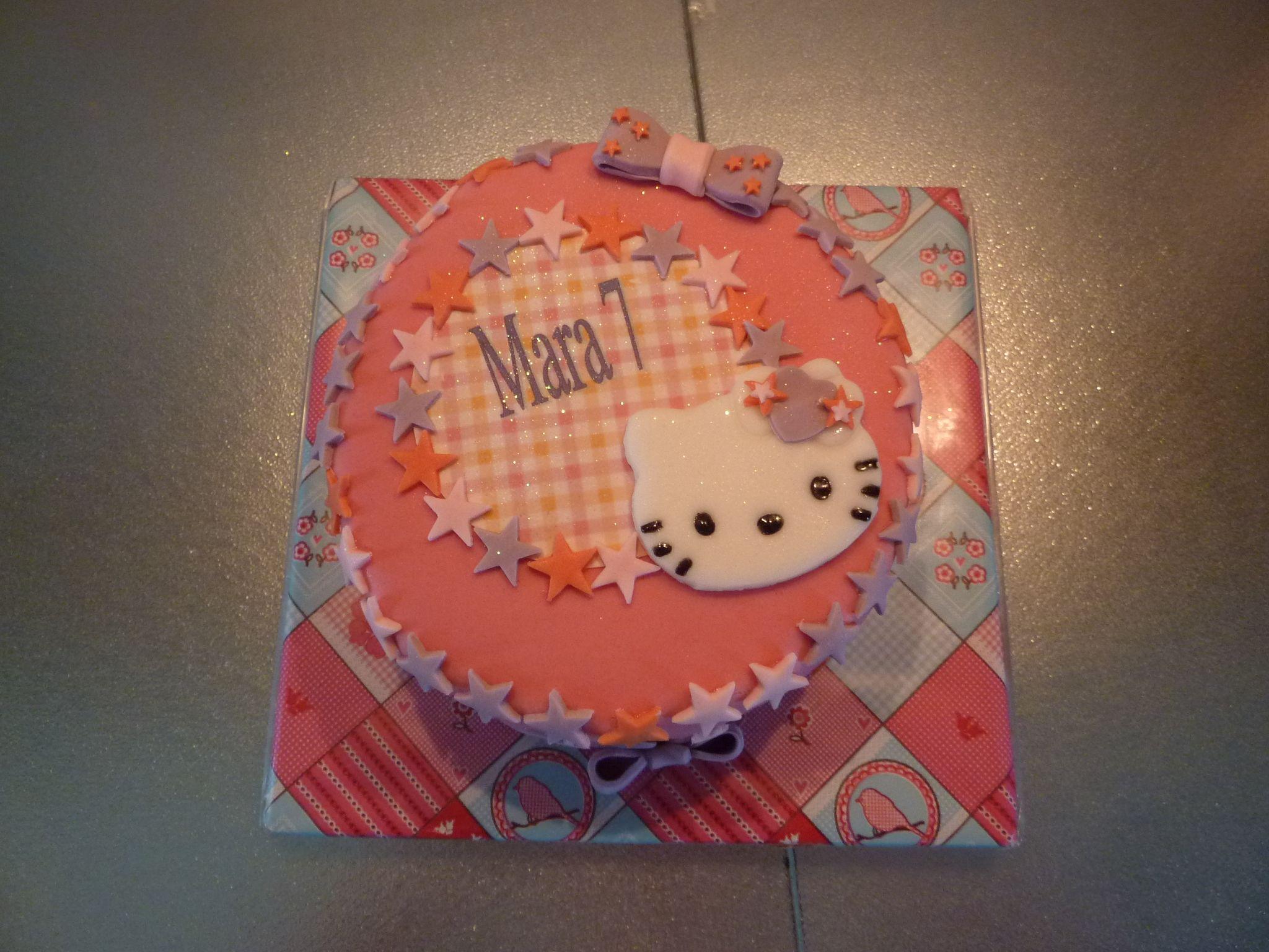 Hello kitty taartje  taart decoratie beringe  Pinterest