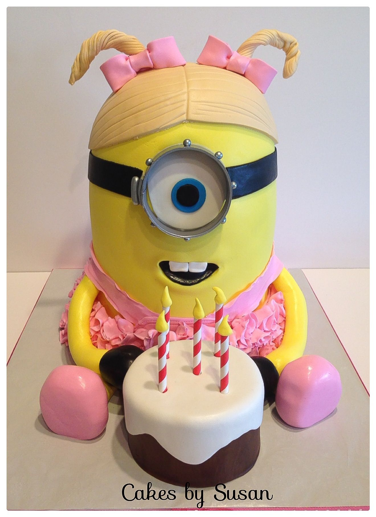 Little girl minion cake with tutu Cake Designs Pinterest