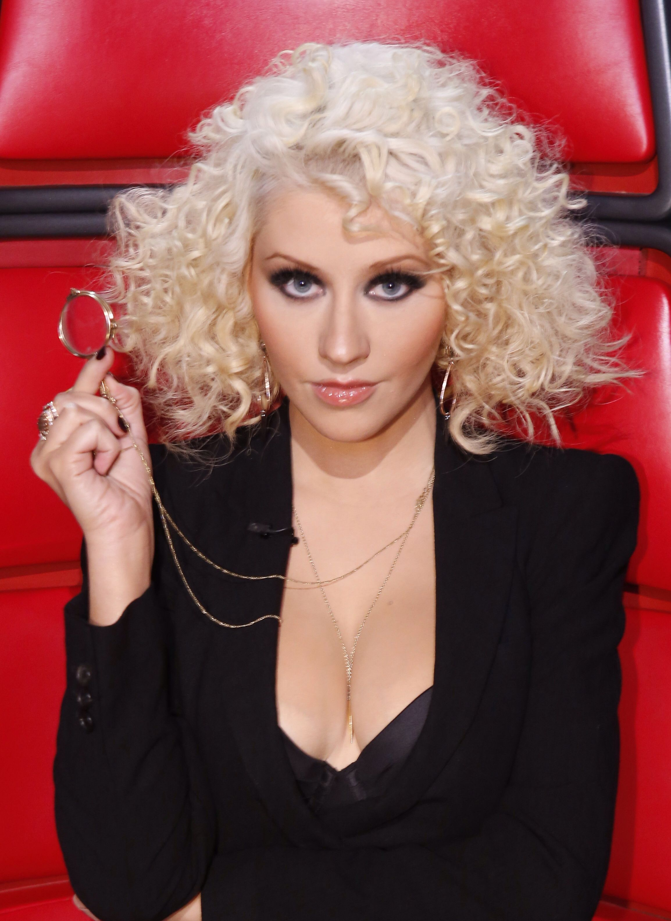 Christina Aguilera Voice Hairstyles 2015   newhairstylesformen2014.com