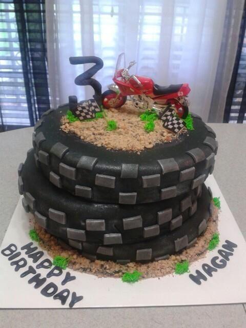 Cake Decorating Dirt Bike Track : Dirt Bike Cake Bakery ideas Pinterest