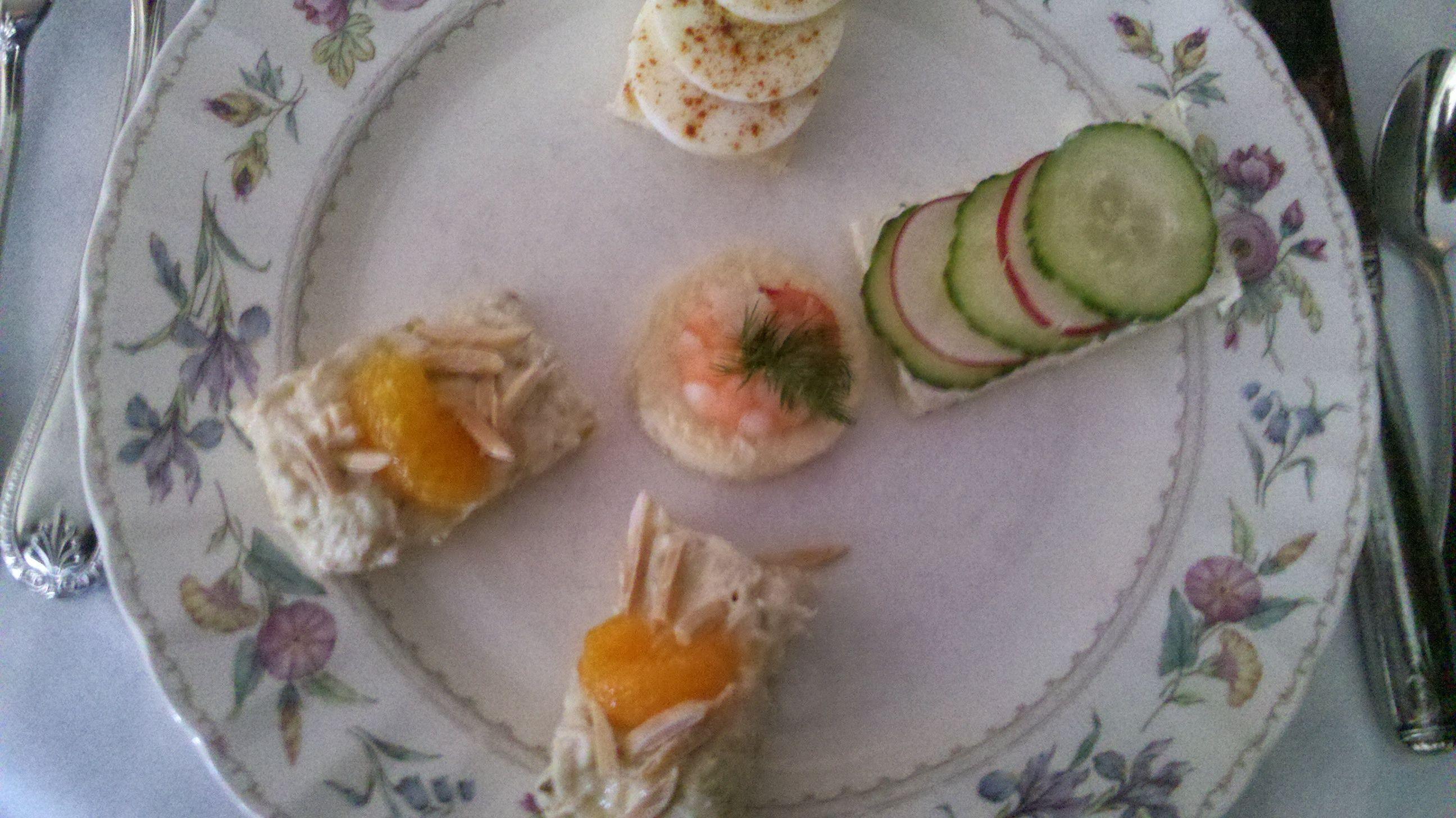 Herbed Cucumber Radish Tea Sandwiches Recipe — Dishmaps