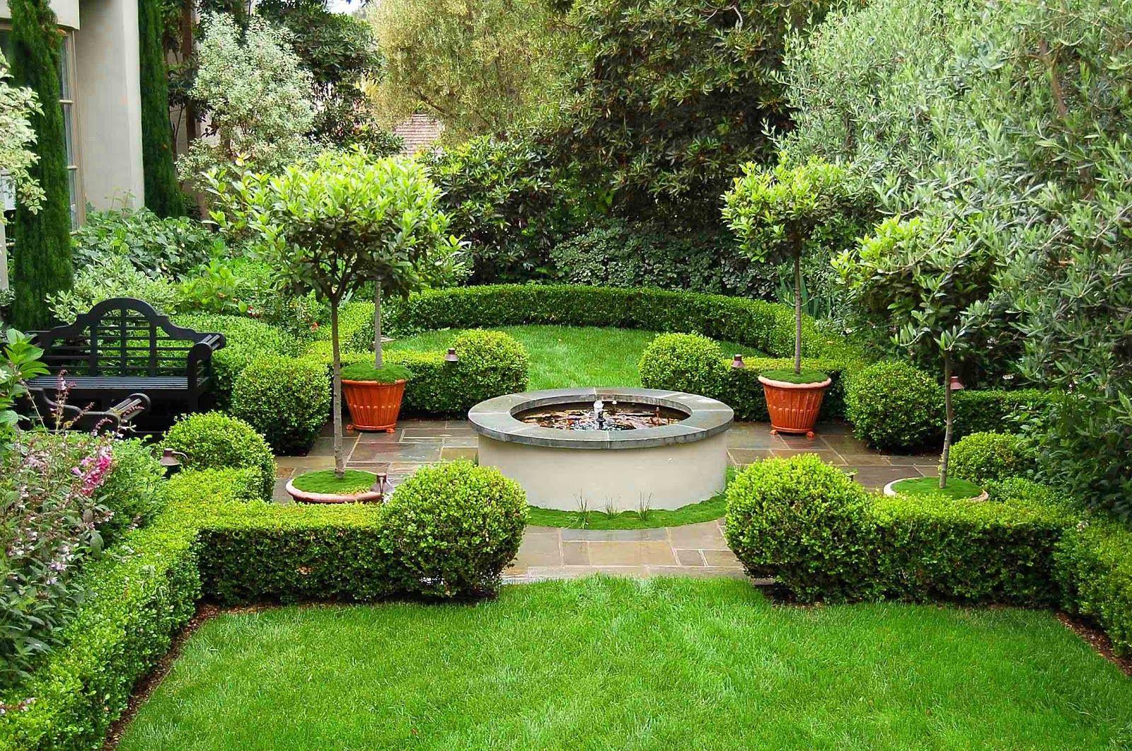 Mediterranean courtyard garden luxury gardens garden for Courtyard landscaping
