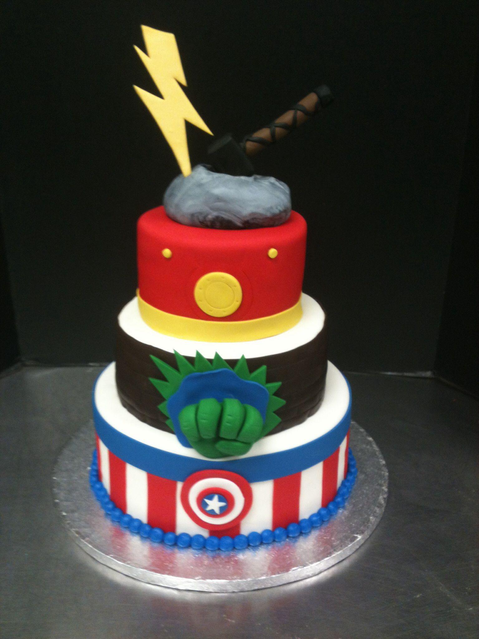 Cake Design Avengers : Avengers cake for the nugget Pinterest